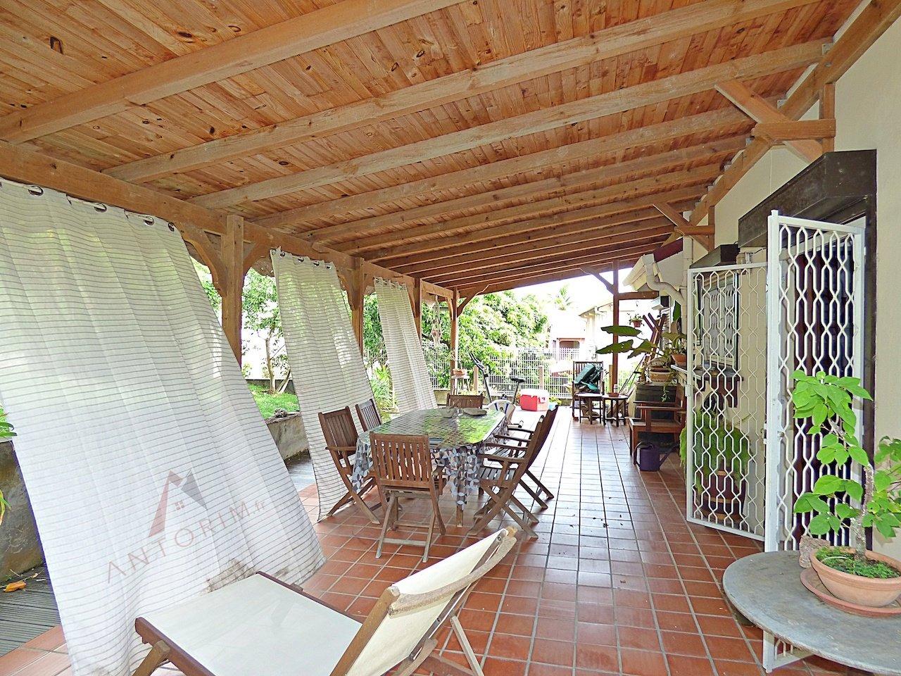 EXCLUSIVITE - SCHOELCHER - Terreville - Jolie Villa T4 au Calme