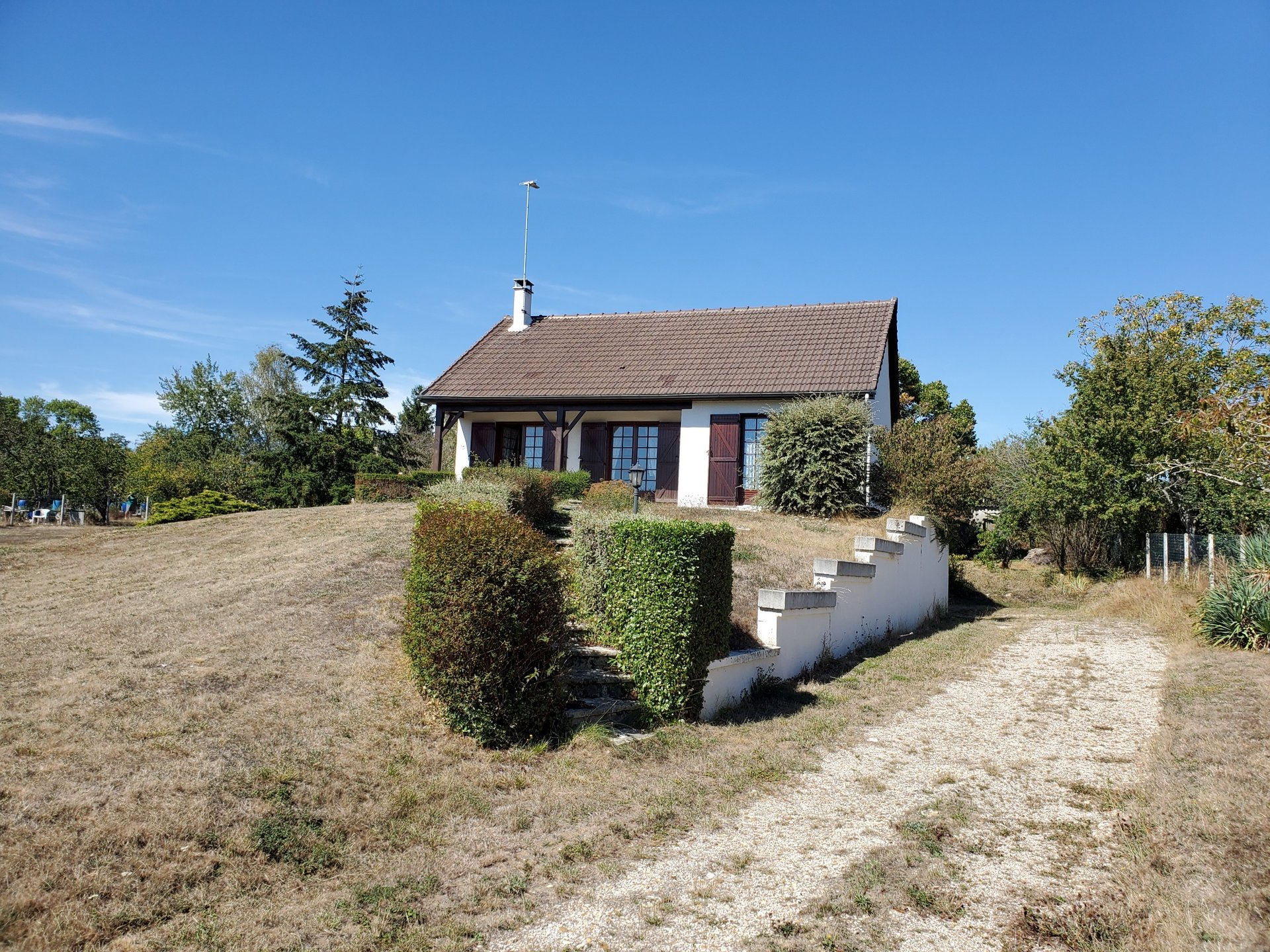 Sale House - Rousson