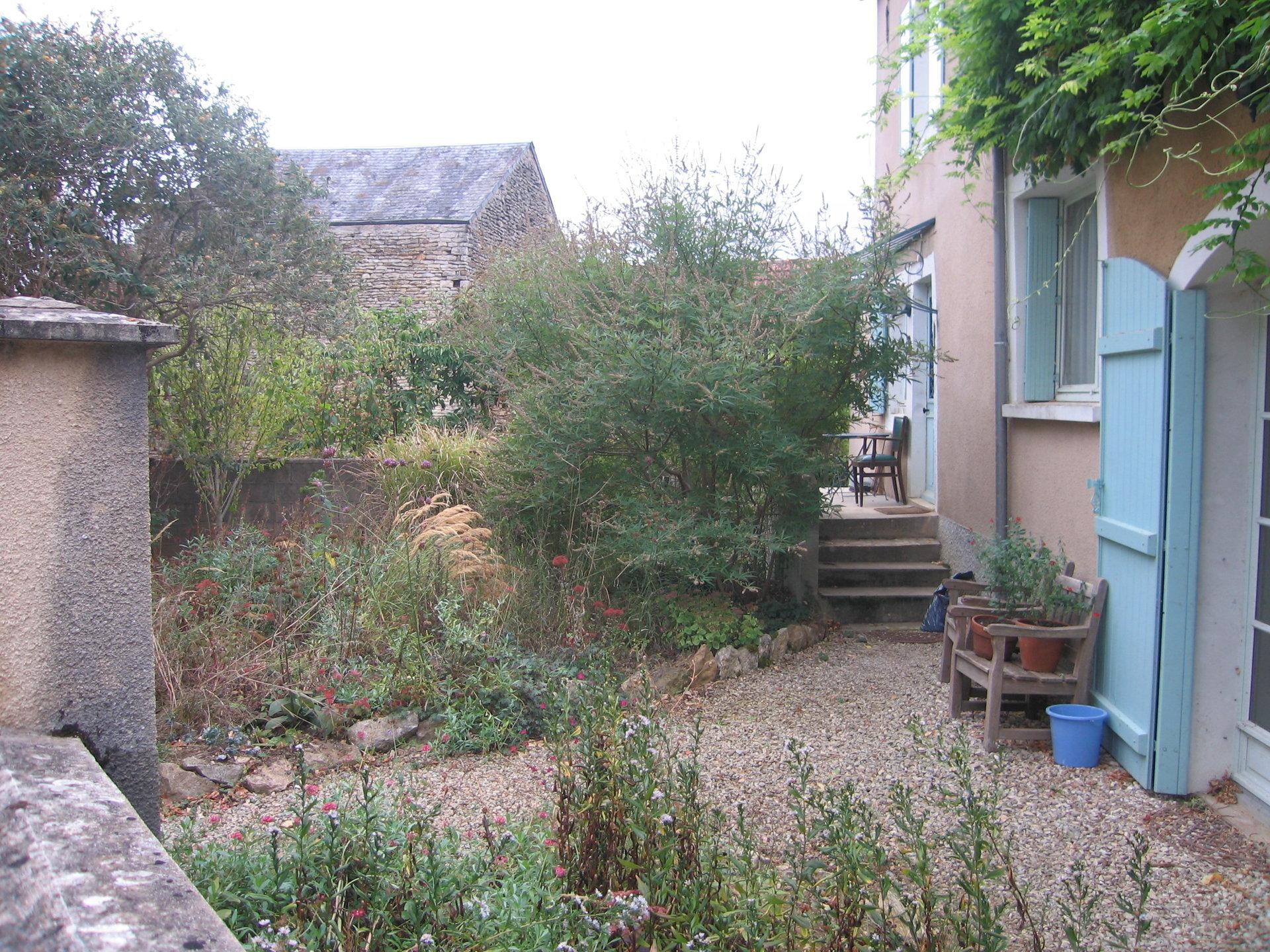 Cosy village house near VEZELAY.