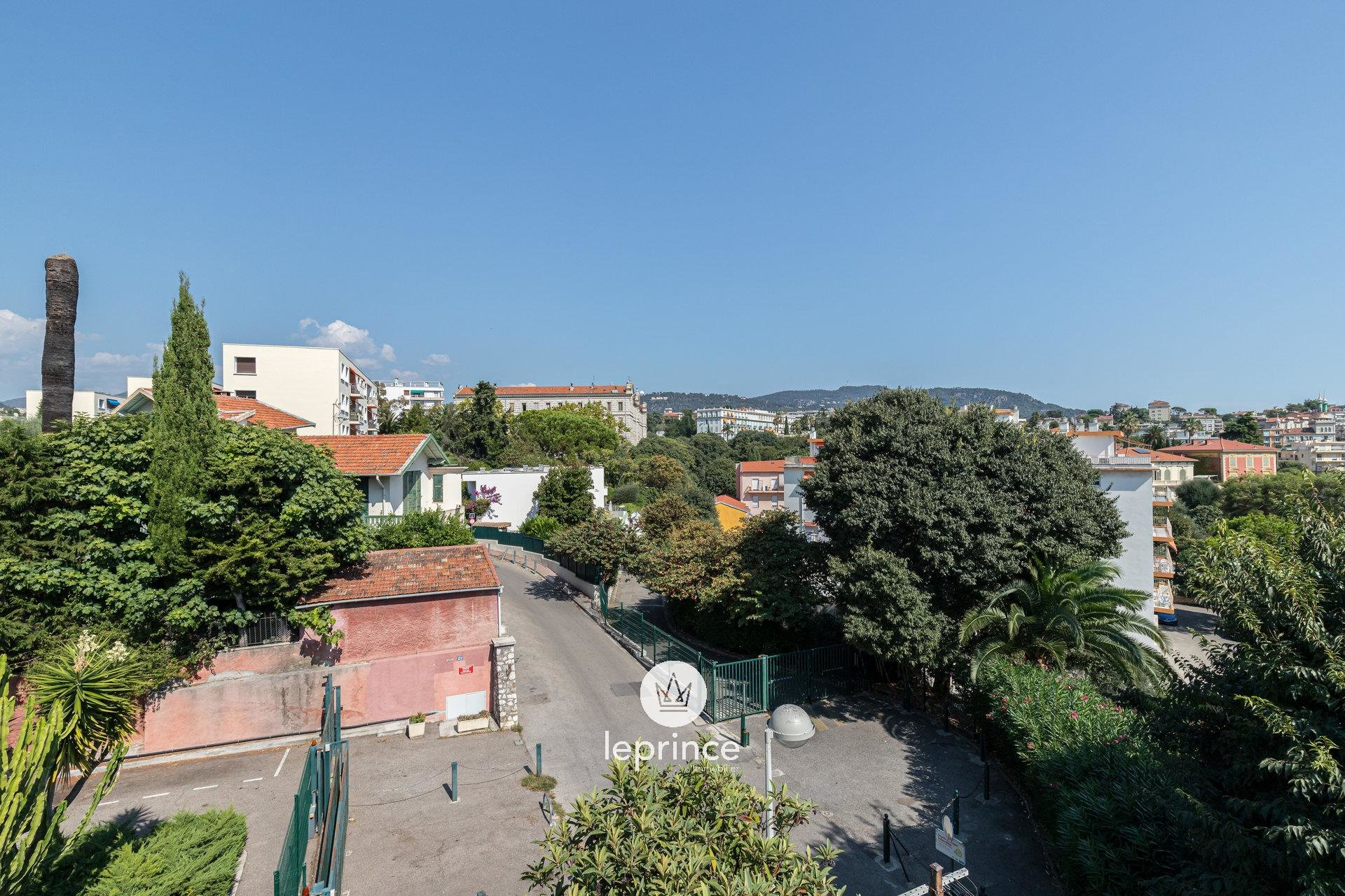 Nice Cimiez - Two Bedrooms - Top Floor