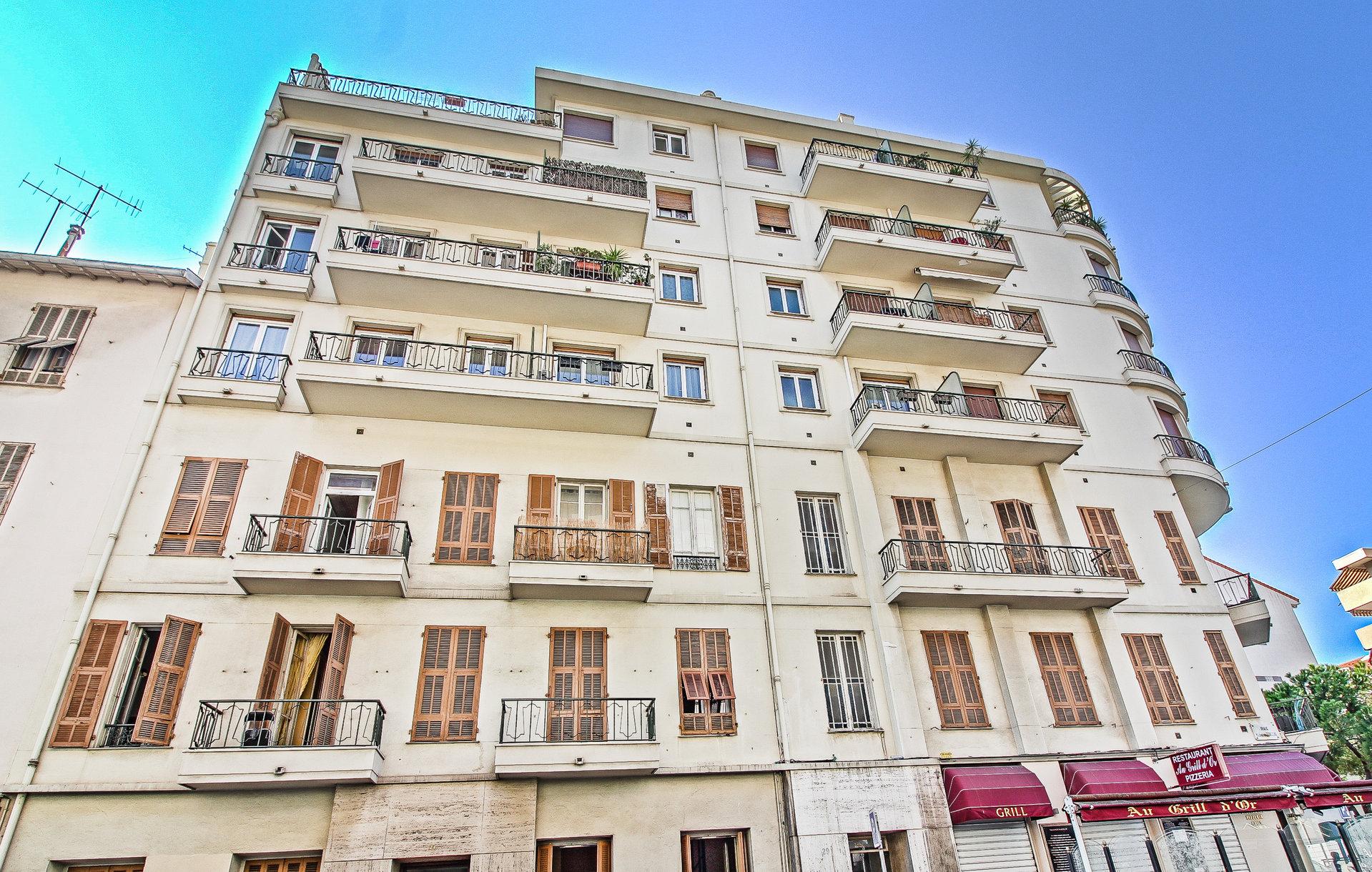 LIBERATION - 2P RdJ - terrasse 20m² - Sud - 170.000€