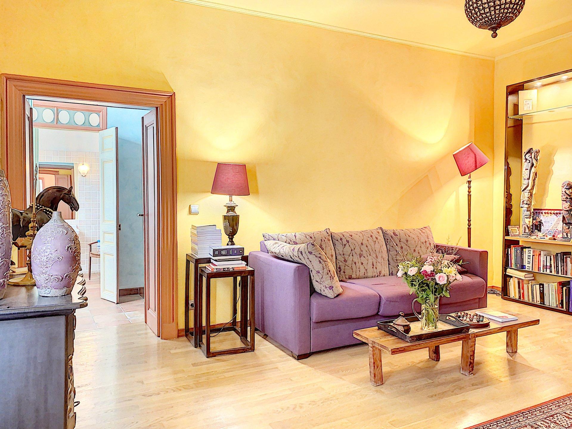 FÖRSÄLJNING Lägenhet 3 Rum Nice Gamla Stan Balkong Sublim