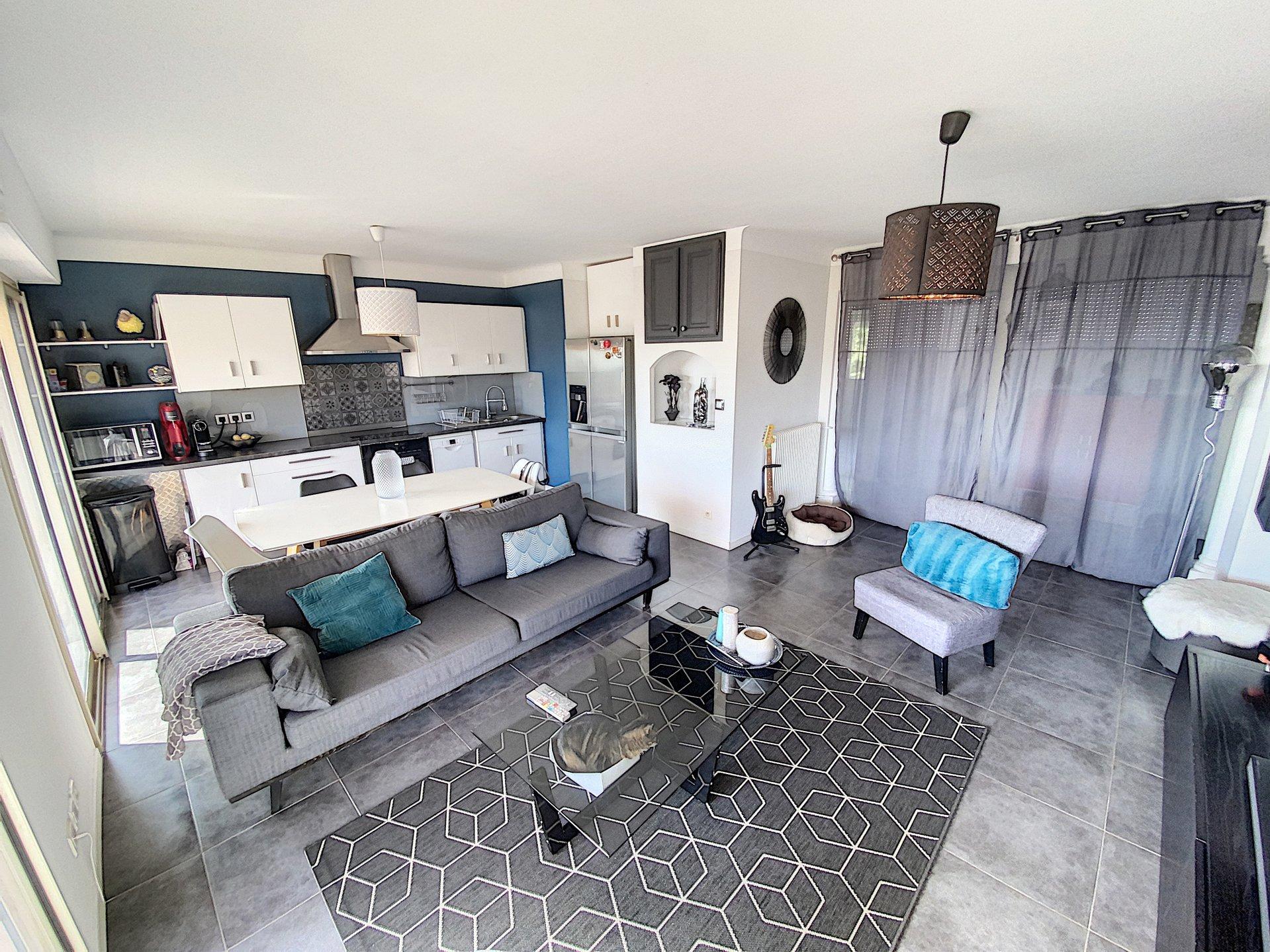 SAINT LAURENT DU VAR (06700) - Appartement 3/4 pièces - 2 chambres - 1 bureau