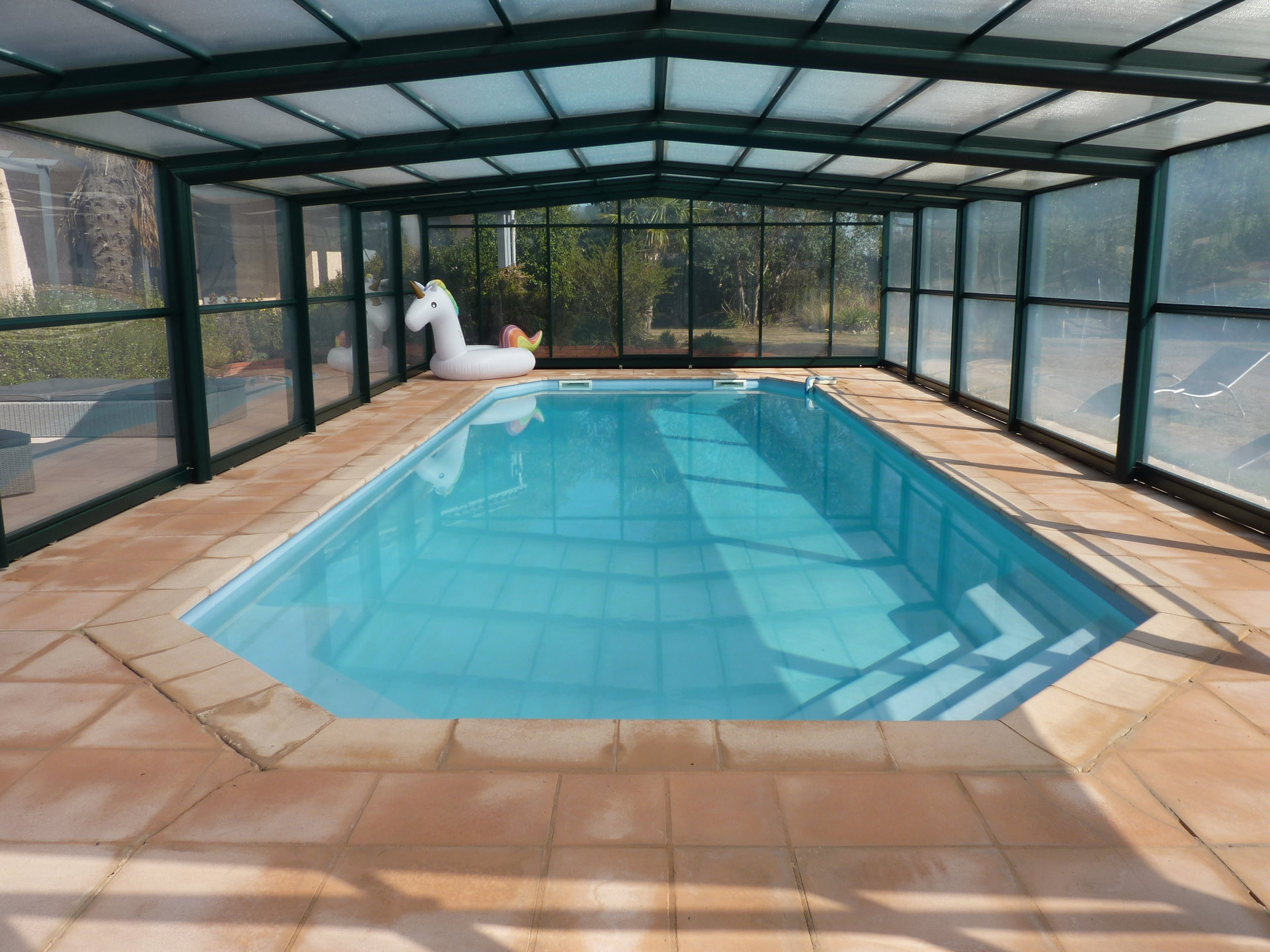 Beautiful 3 Bedroom Modern House with 1 Bedroom Apartment plus Swimming Pool in Lherm