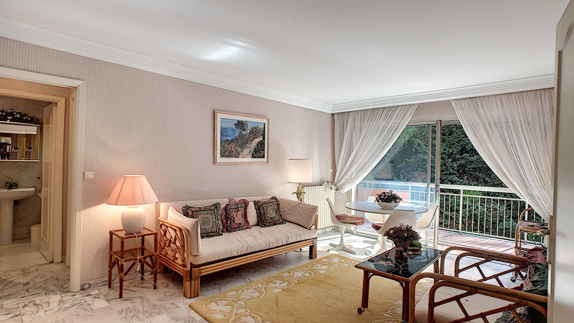 Lägenhet till salu i Cannes Basse Californie - renoveringsobjekt