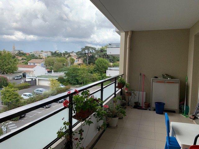 Appartement type 2, 38.93m², une chambre, terrasse,  box en sous-sol