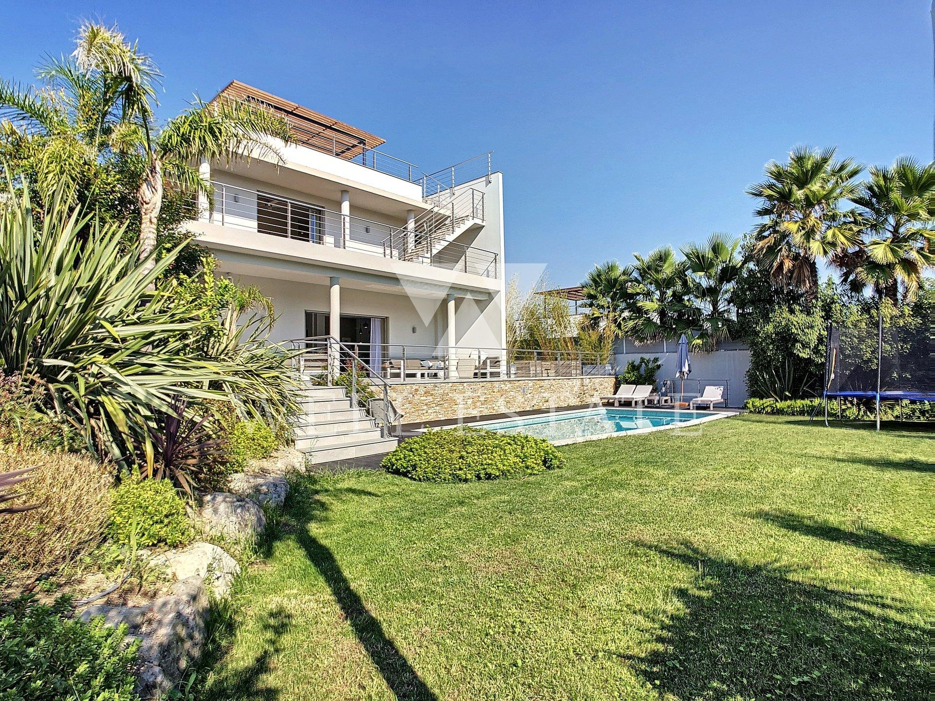 CANNES NEW CONTEMPORARY VILLA 6 BEDROOMS OPEN VIEW