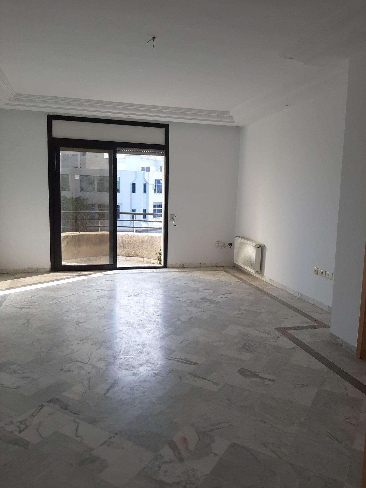 Location Bureau de 3 pièces 160 m² au Lac 1.