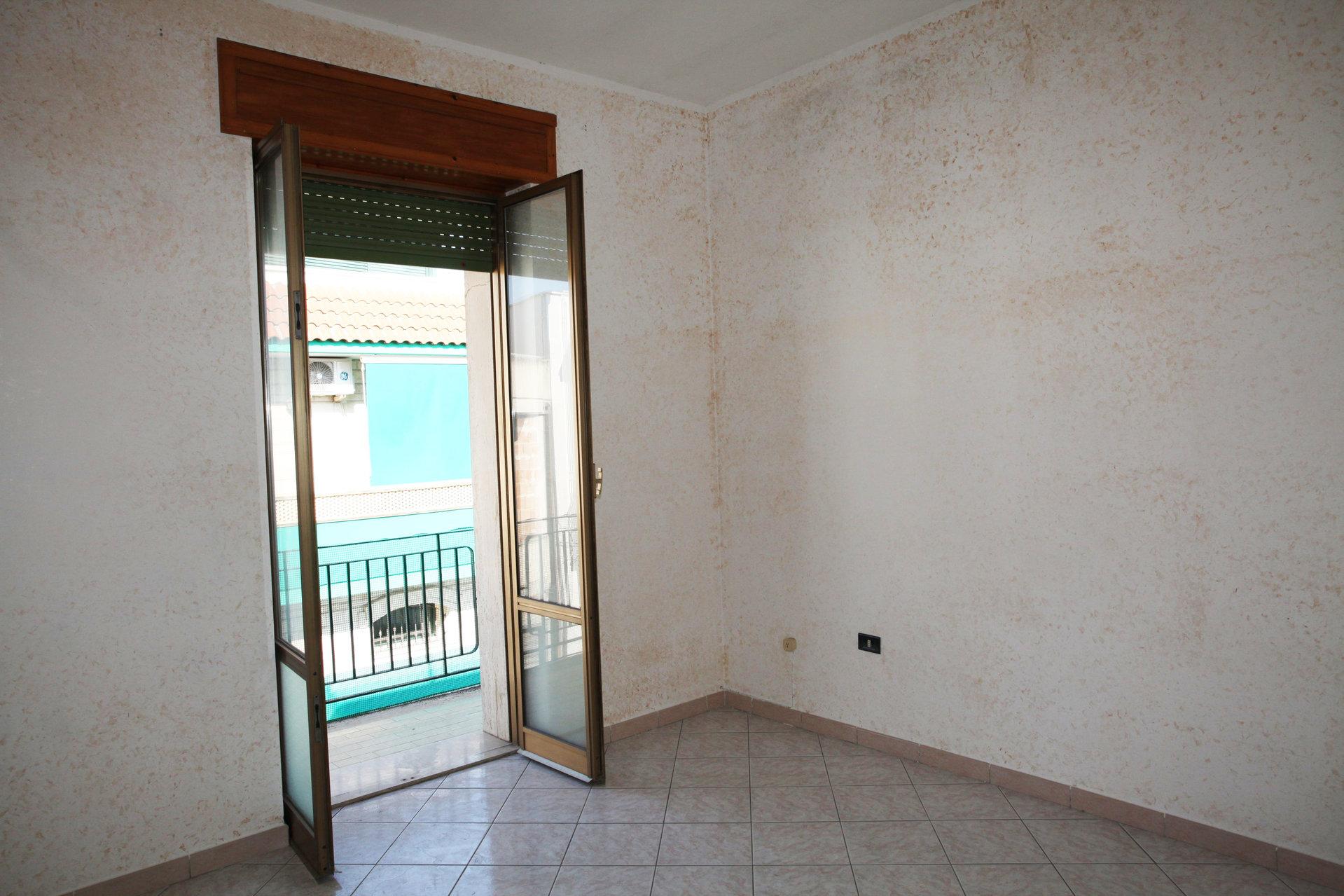 Appartemento al piano primo 2 camere, cucina, bagno e lavanderia