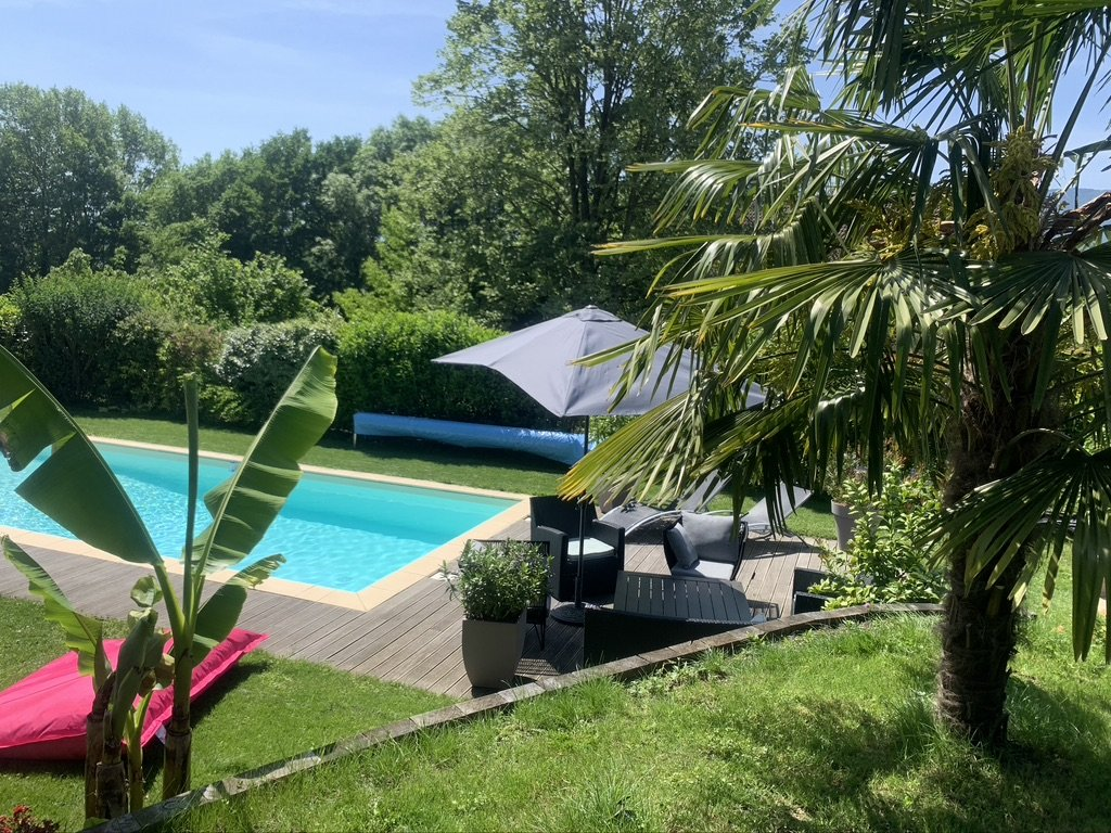aix les bains 73100 House 5 bedrooms 3 bathrooms swimming pool