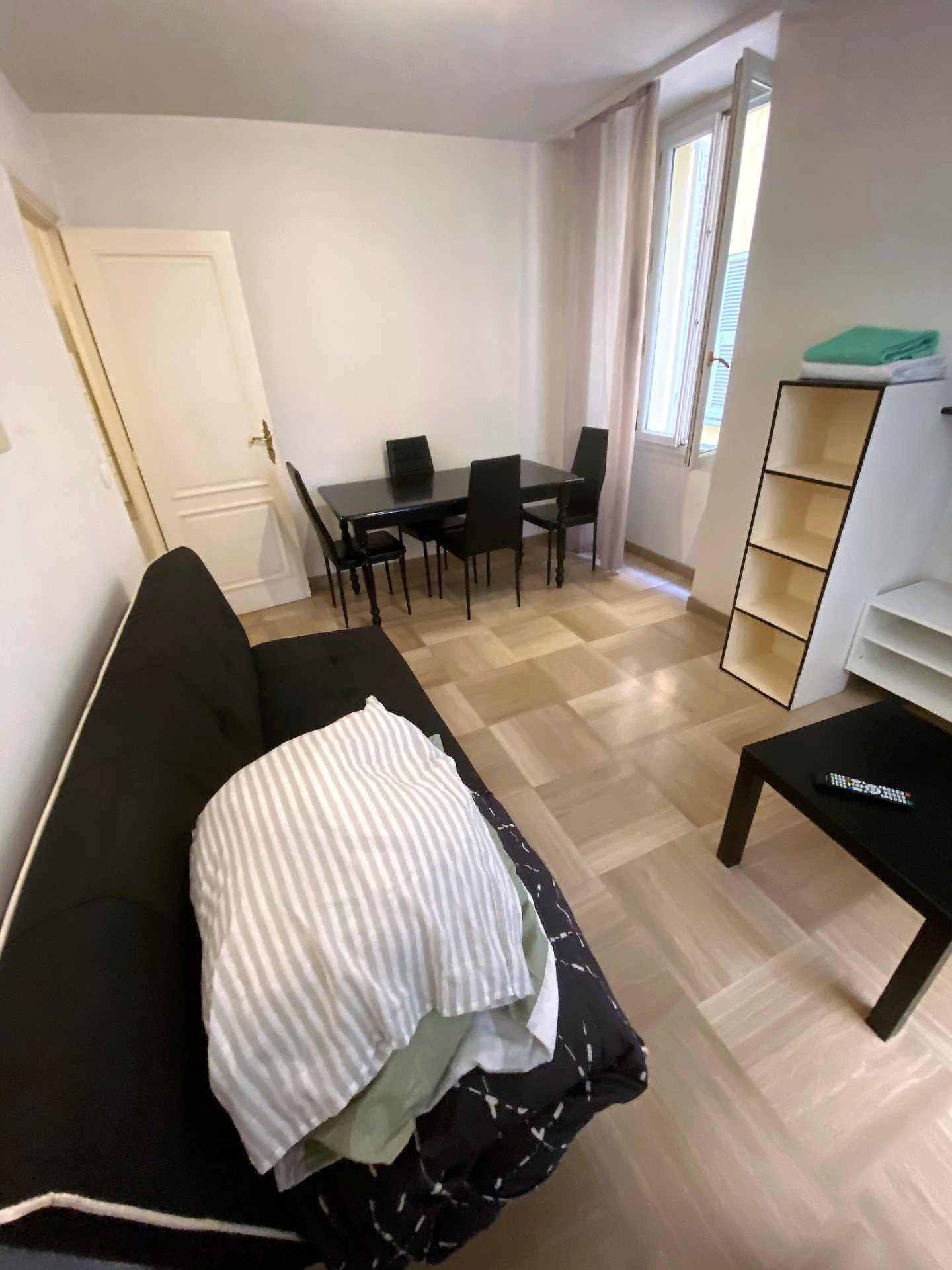 Location étudiants 2P meublé Vieux Nice
