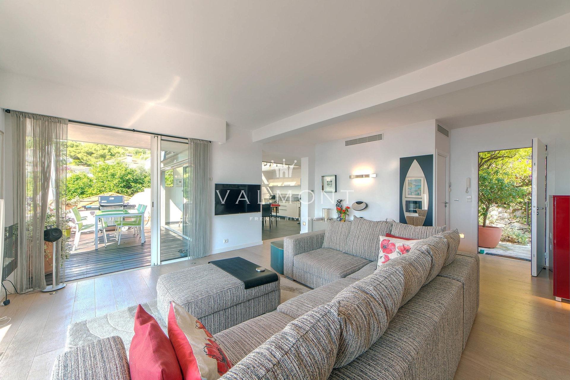 Villa appartement dominating the Bay of Saint Jean Cap Ferrat