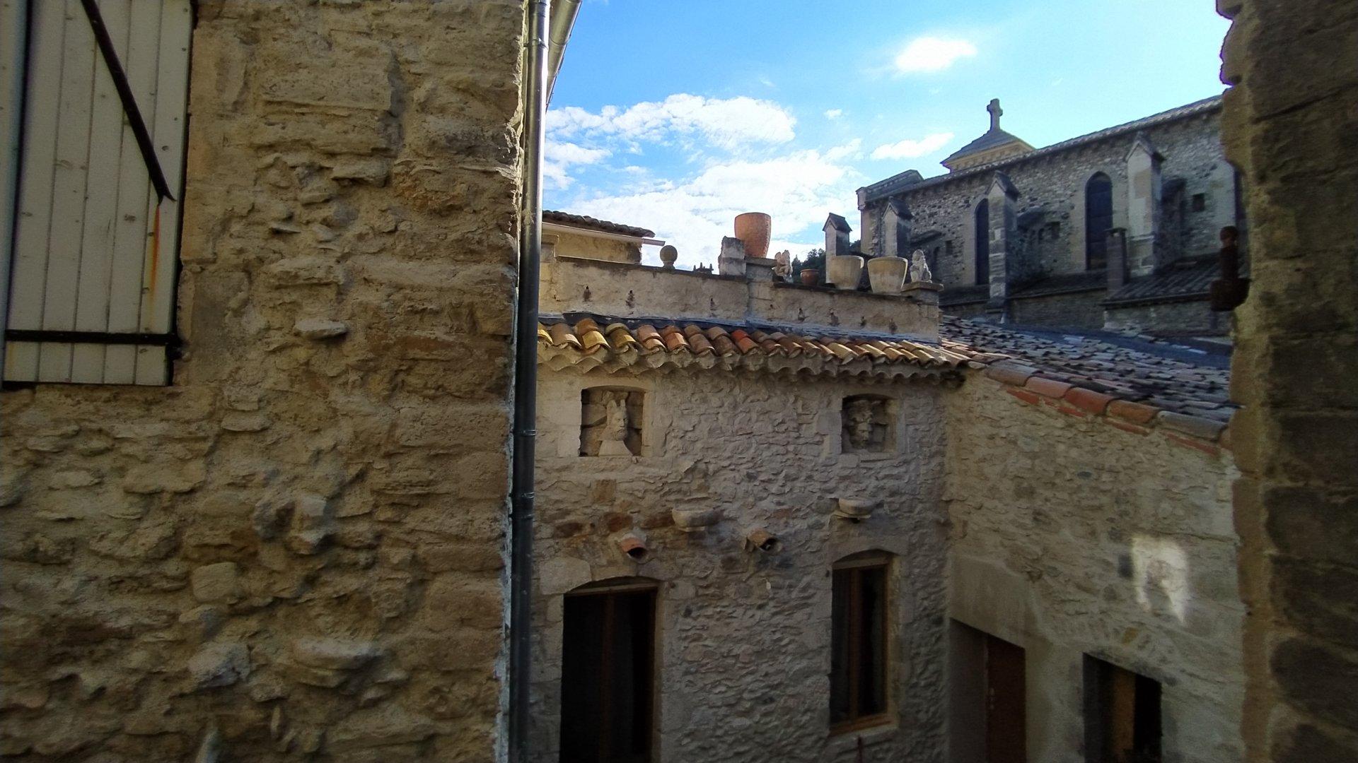 Appartement T3 avec balcon dans centre historique