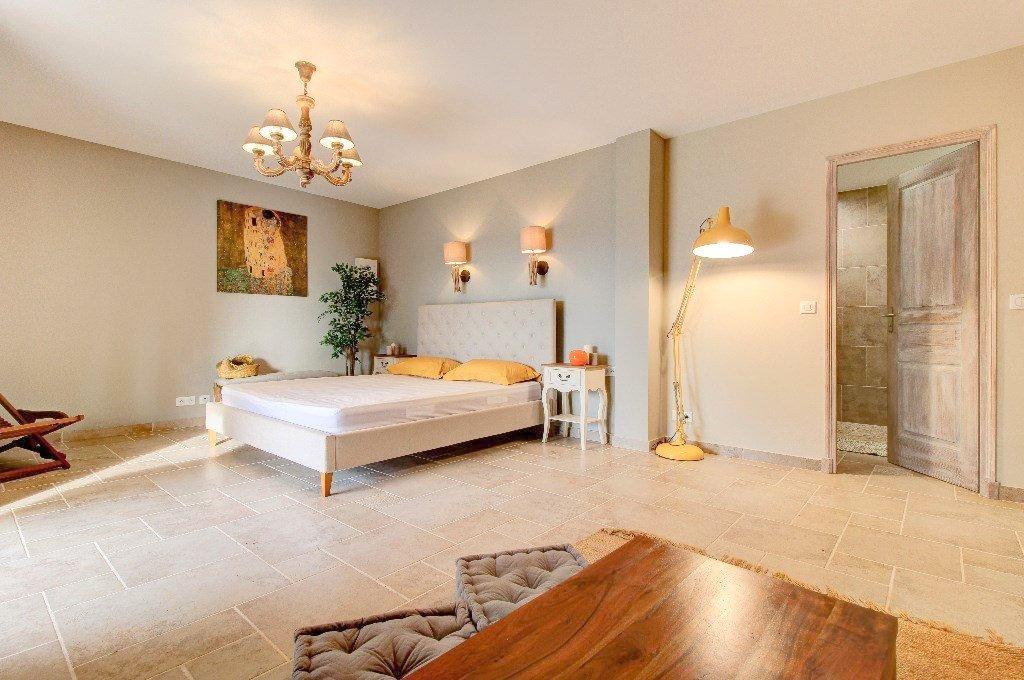 FÖRSÄLJNING Villa 288m² Nice St Isidore Pool Terrasser