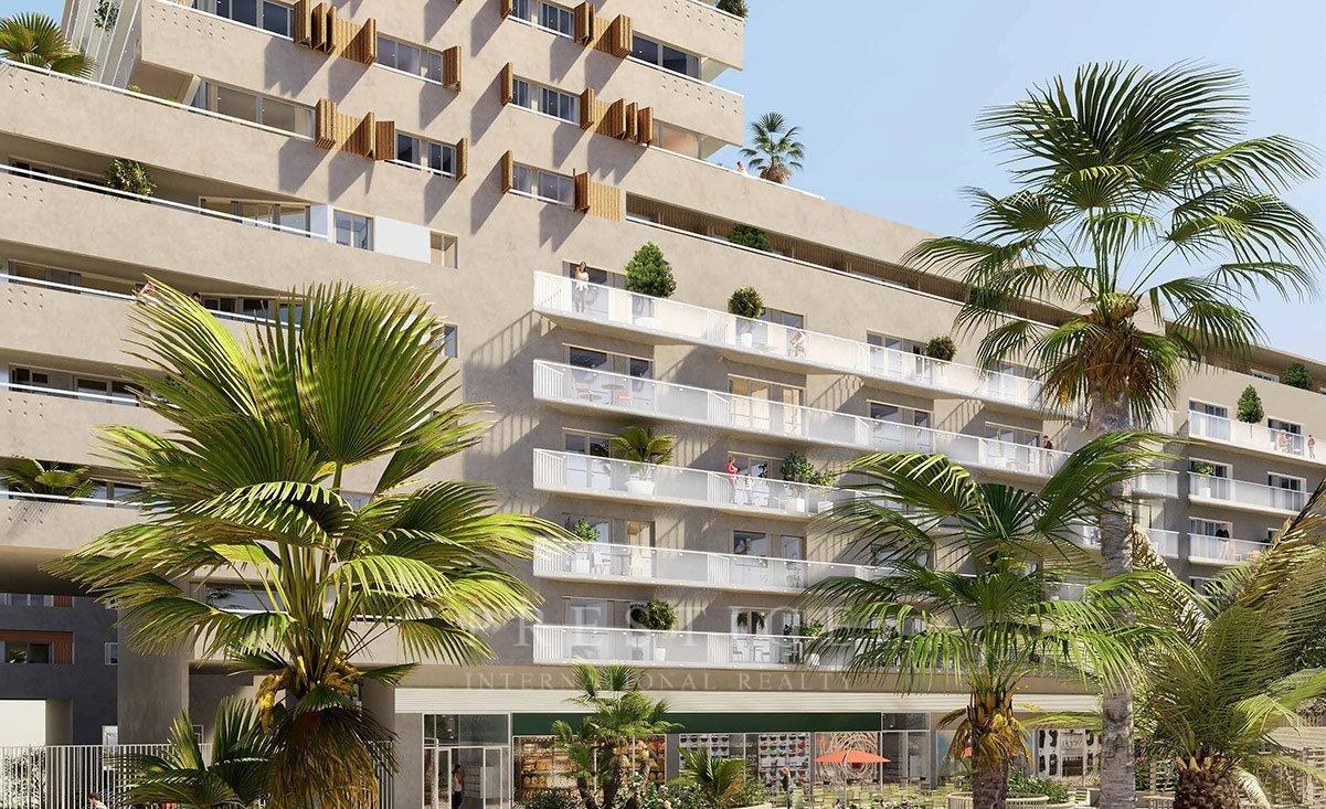 Nice, 1 bedroom flat terrace & parking