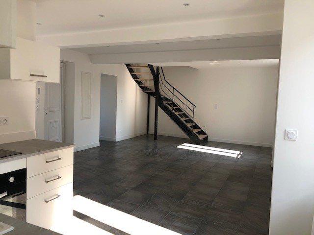 ANDREZIEUX-BOUTHEON - Appartement T4 avec terrasse + cour