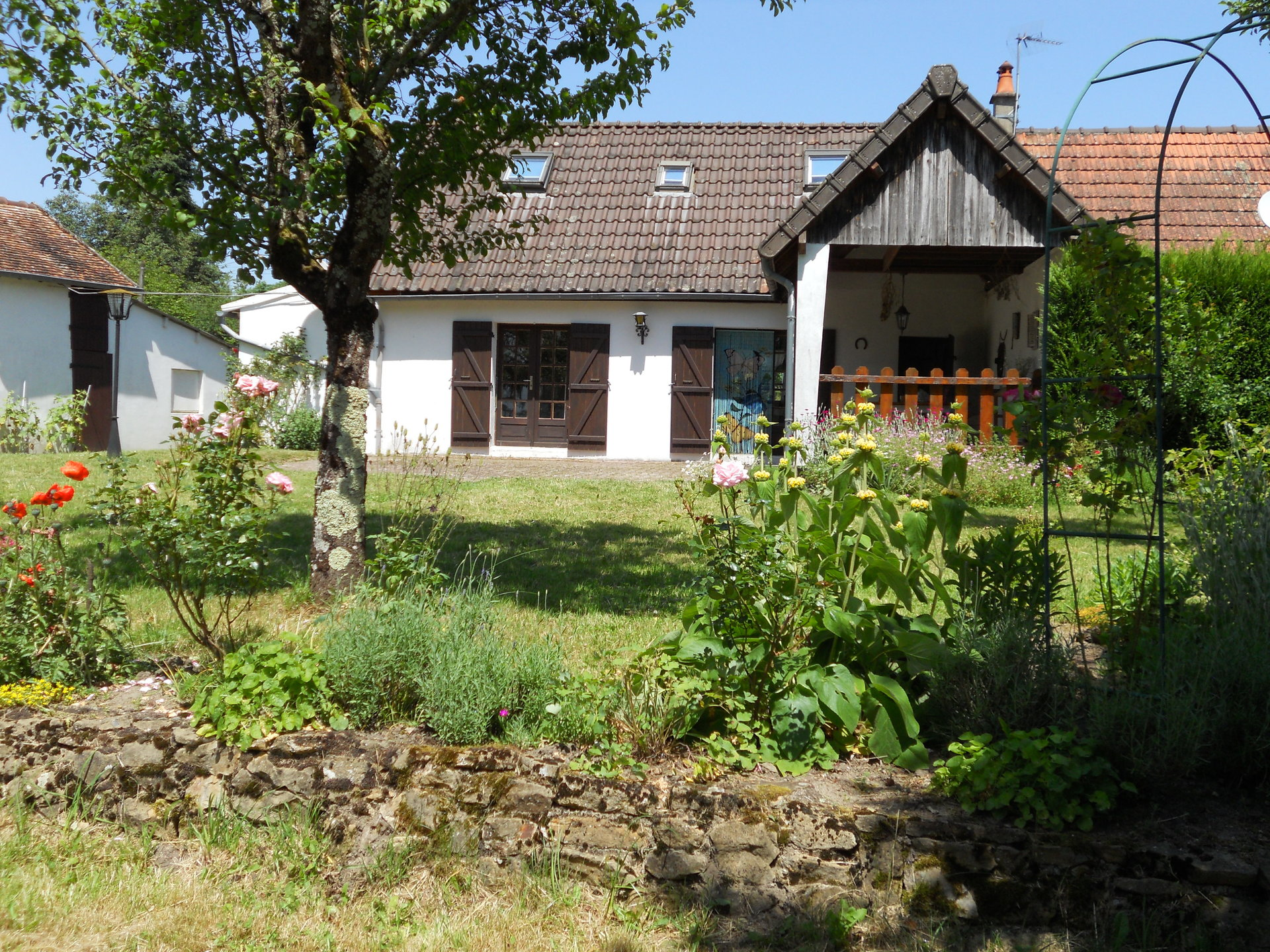 Lovely semi-detached house for sale in Burgundy (Nievre)