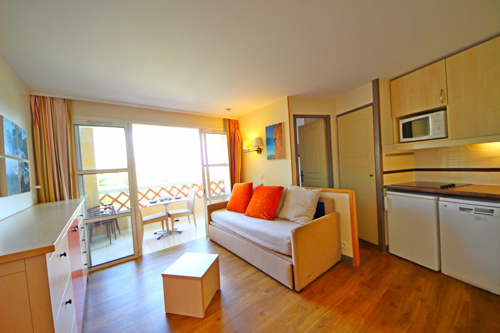 AGAY CAP ESTEREL 1 BEDROOM SEA VIEW