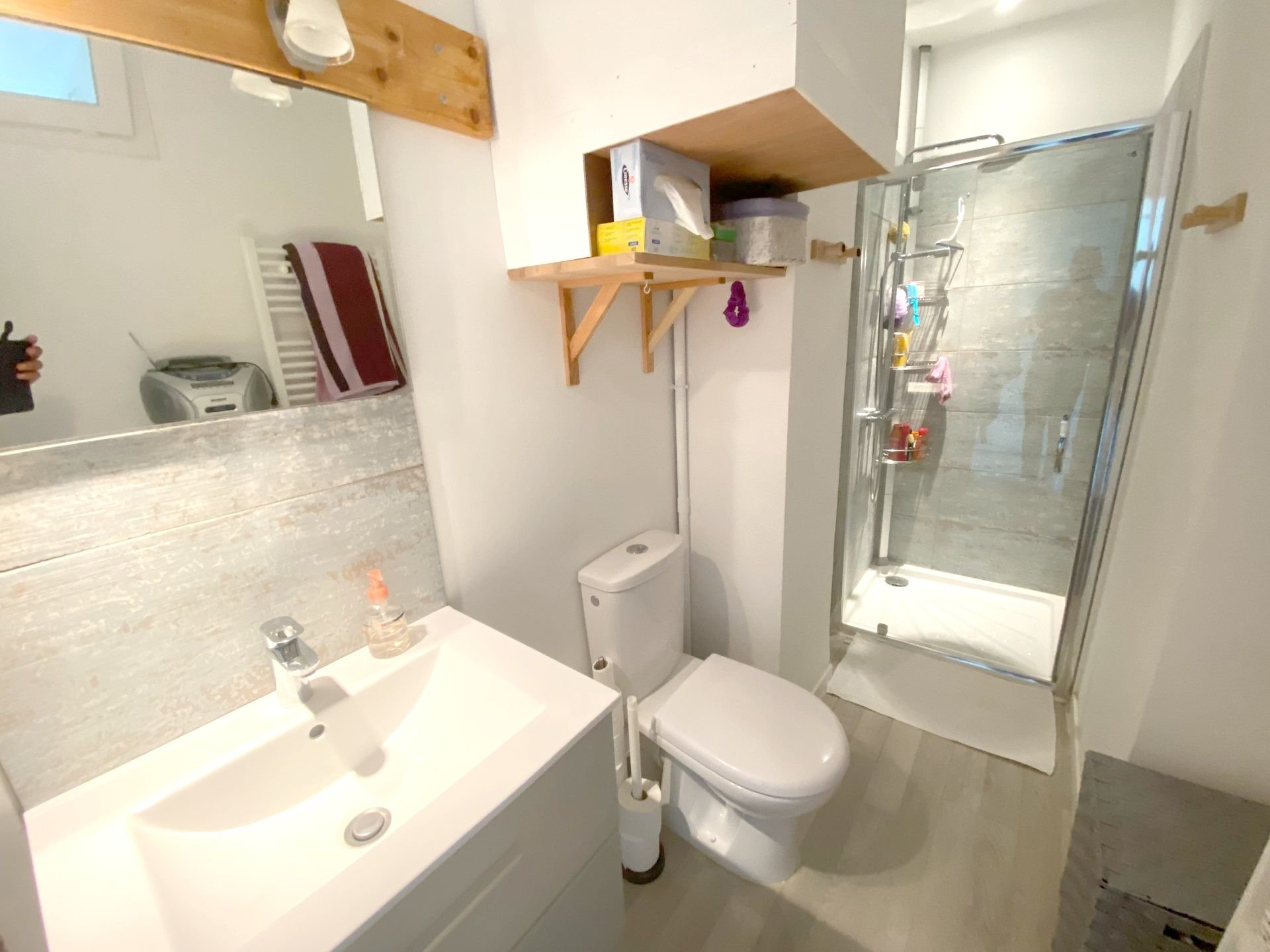 CANNES SALE 2 ROOMS NEAR THE CENTRE IN A QUIET AREA