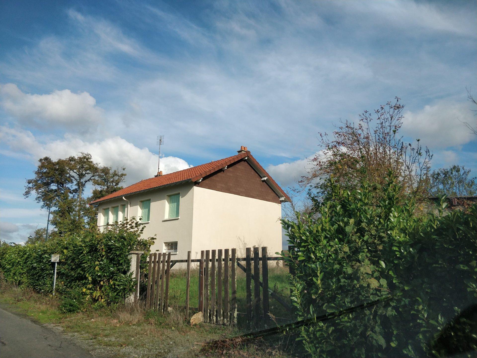 Maison des années 60 avec grand terrain 1600 m² env