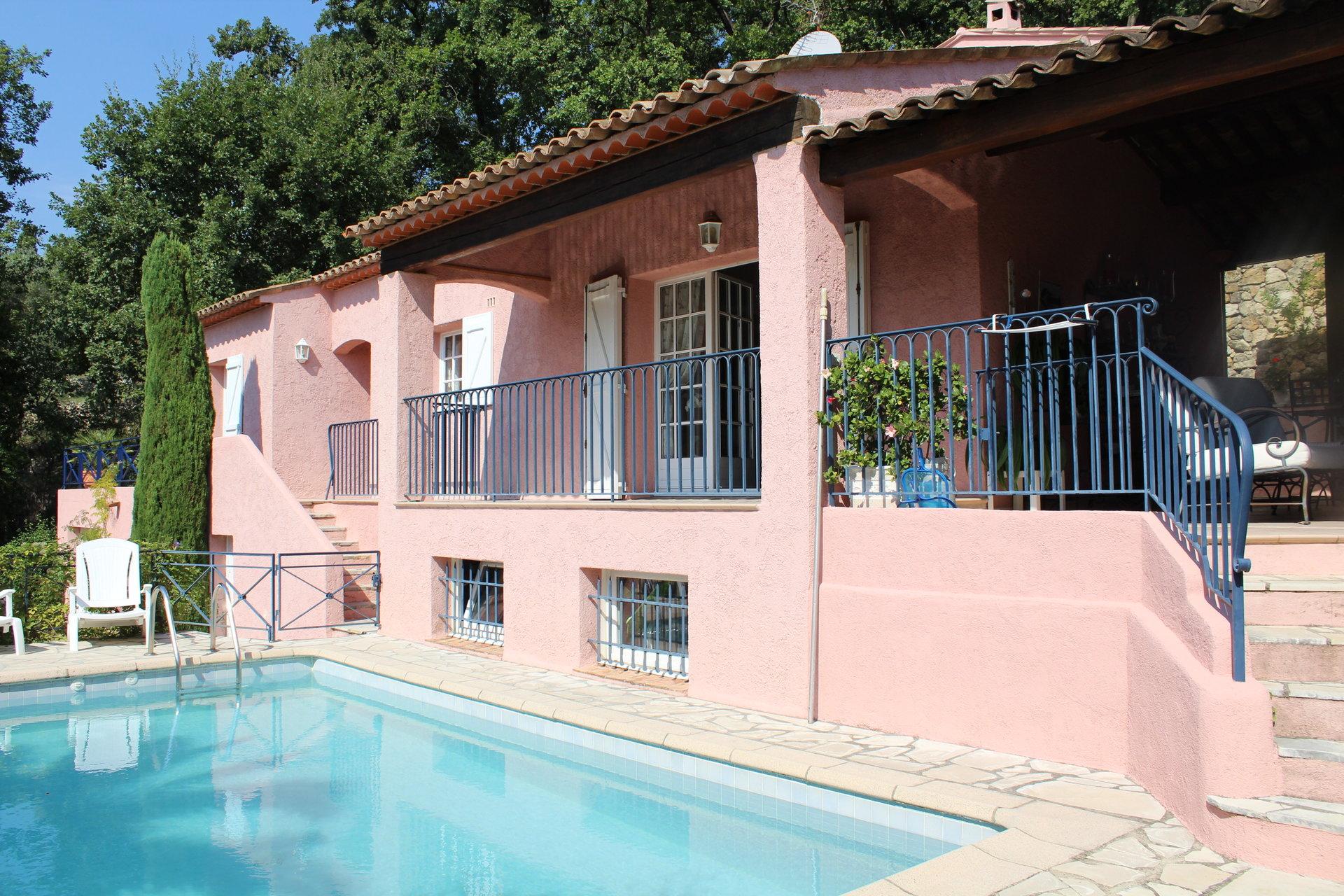 PEYMEINADE, Villa 6 P avec piscine