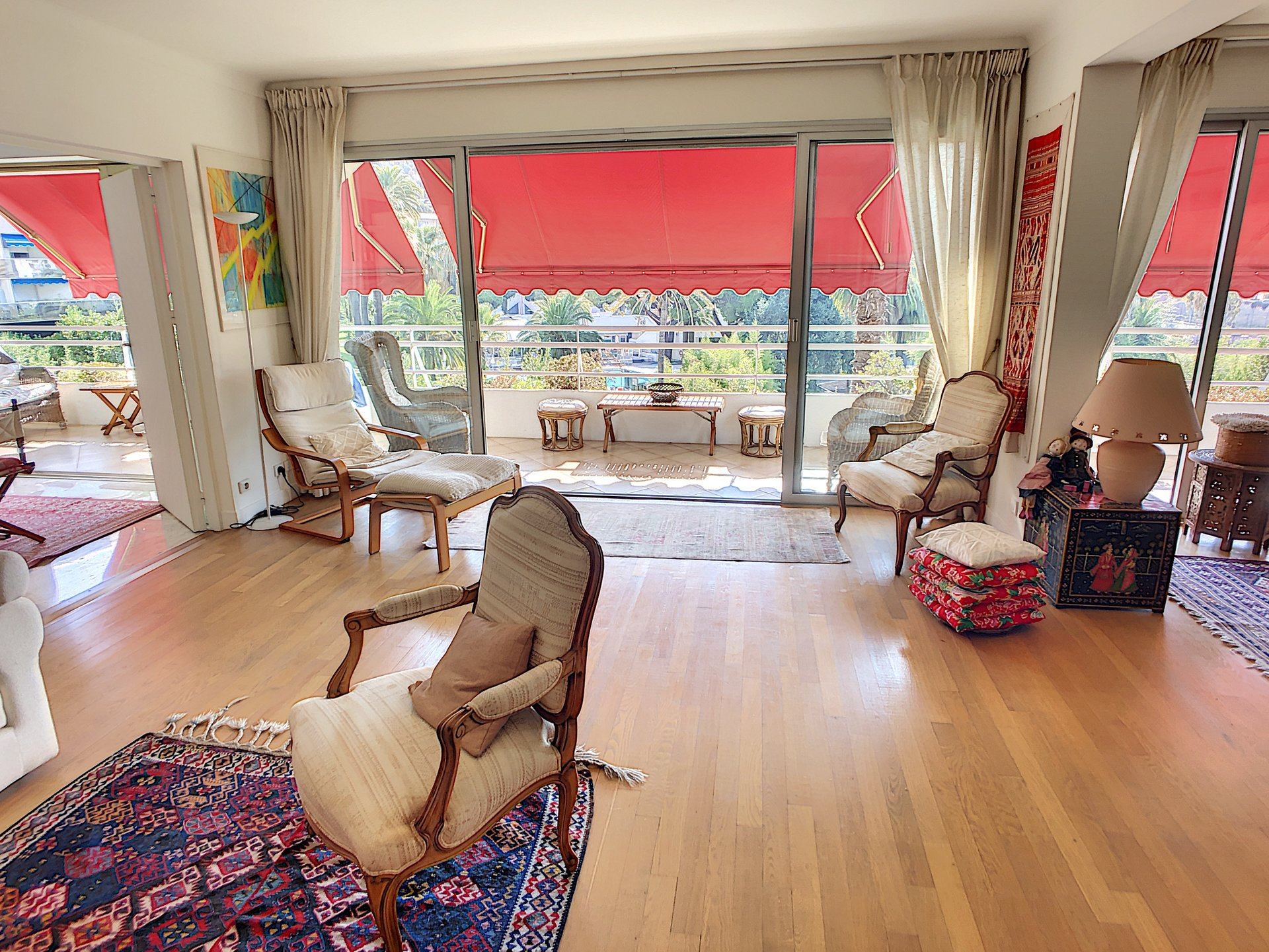 Splendid 2/3 bedroom of 140 Sqm with 32 Sqm of terrace