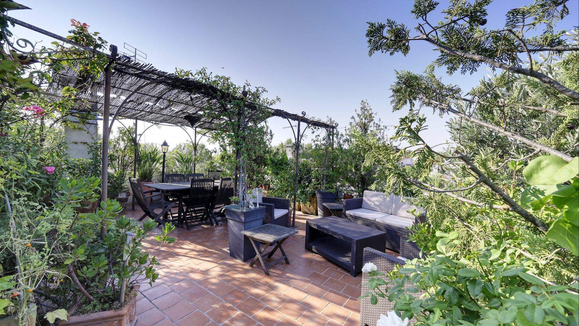 La Roquette - Maison bourgeoise avec terrasse