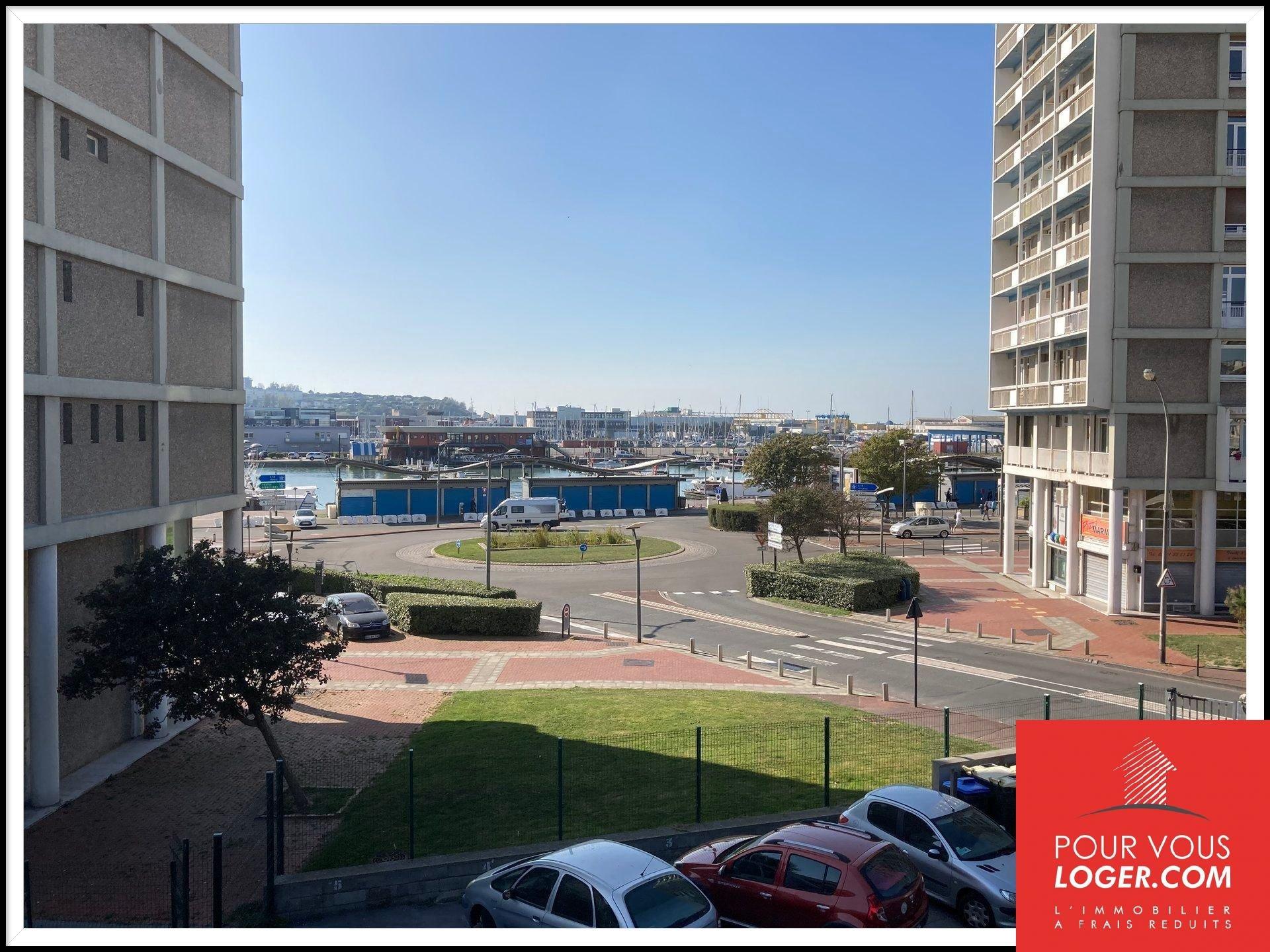 Appartement très lumineux en centre ville avec vue  sur le port