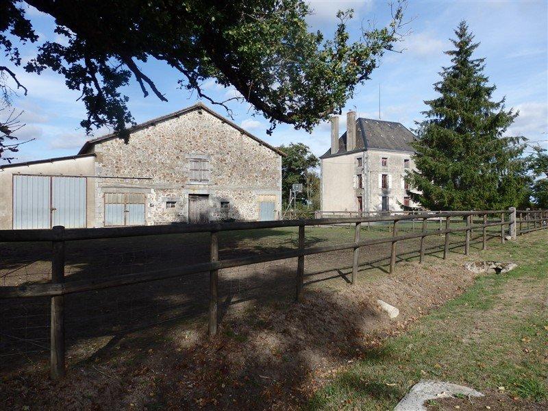 Maison de Maître mit 44 Ha - Le Dorat - Haute Vienne