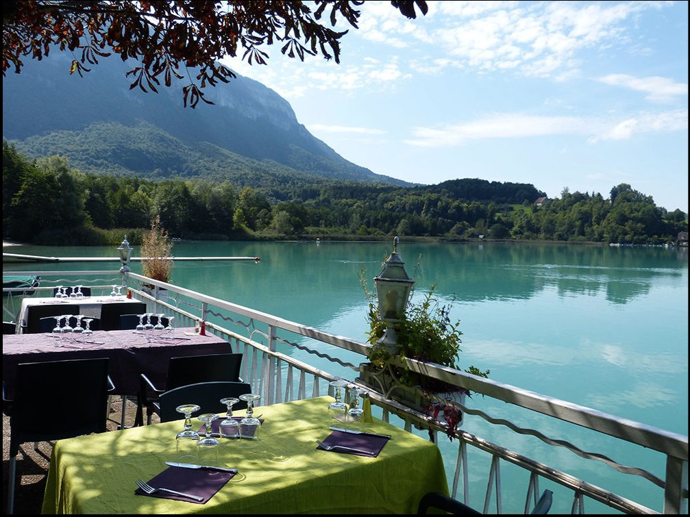 Aiguebelette Savoie, Restaurant on the waterfront