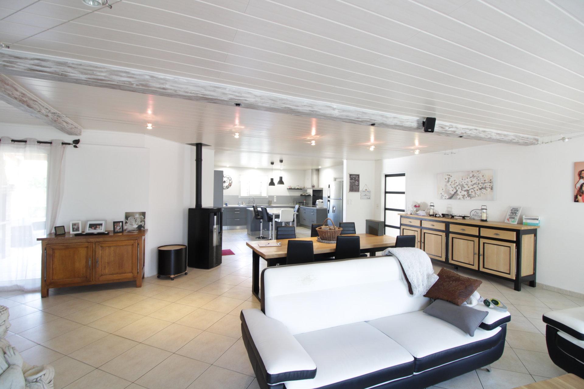 Villa T6 de 162 m2 et dépendances à 25mn de Toulouse