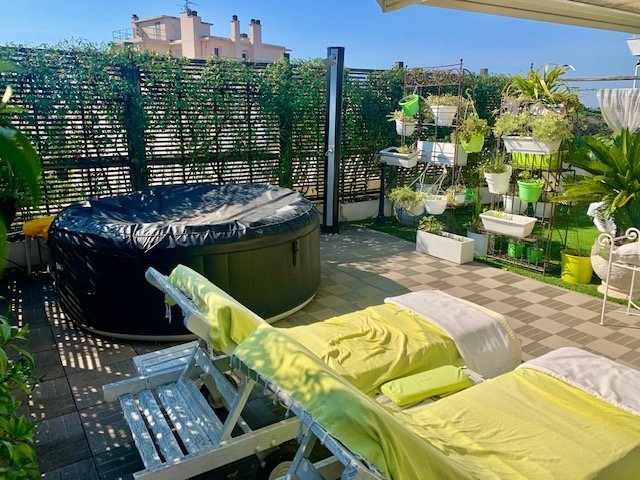 ROOF TOP 3 BEDROOMS