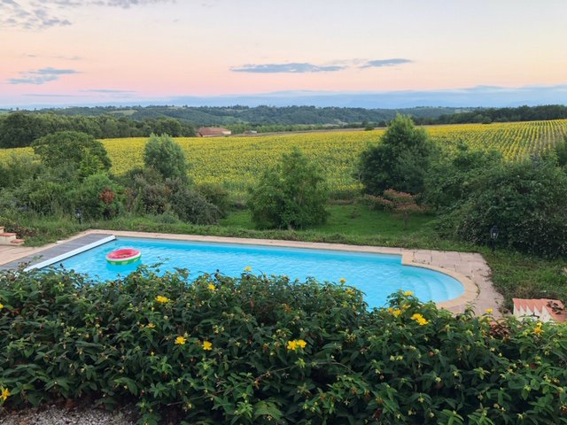Between L'isle en Dodon and Boulogne sur Gesse Maison de Maitre with outbuildings,  large swimmingpool on 3,5 hectares