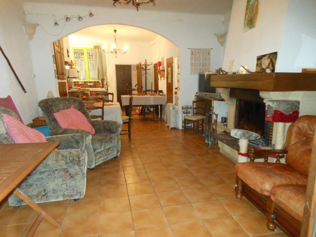 Importante maison de village à 15mn d'Entrevaux