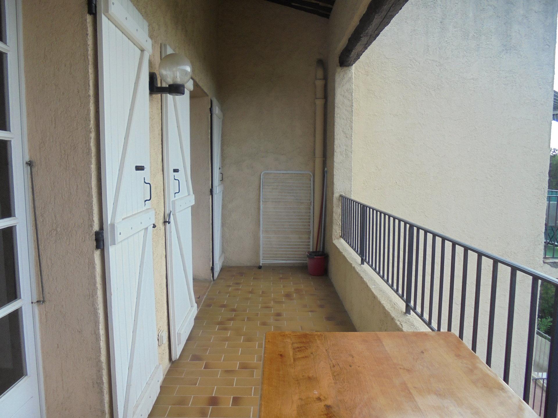 PEYMEINADE, APPARTEMENT 2/3 Pièces, Terrasse, Parking