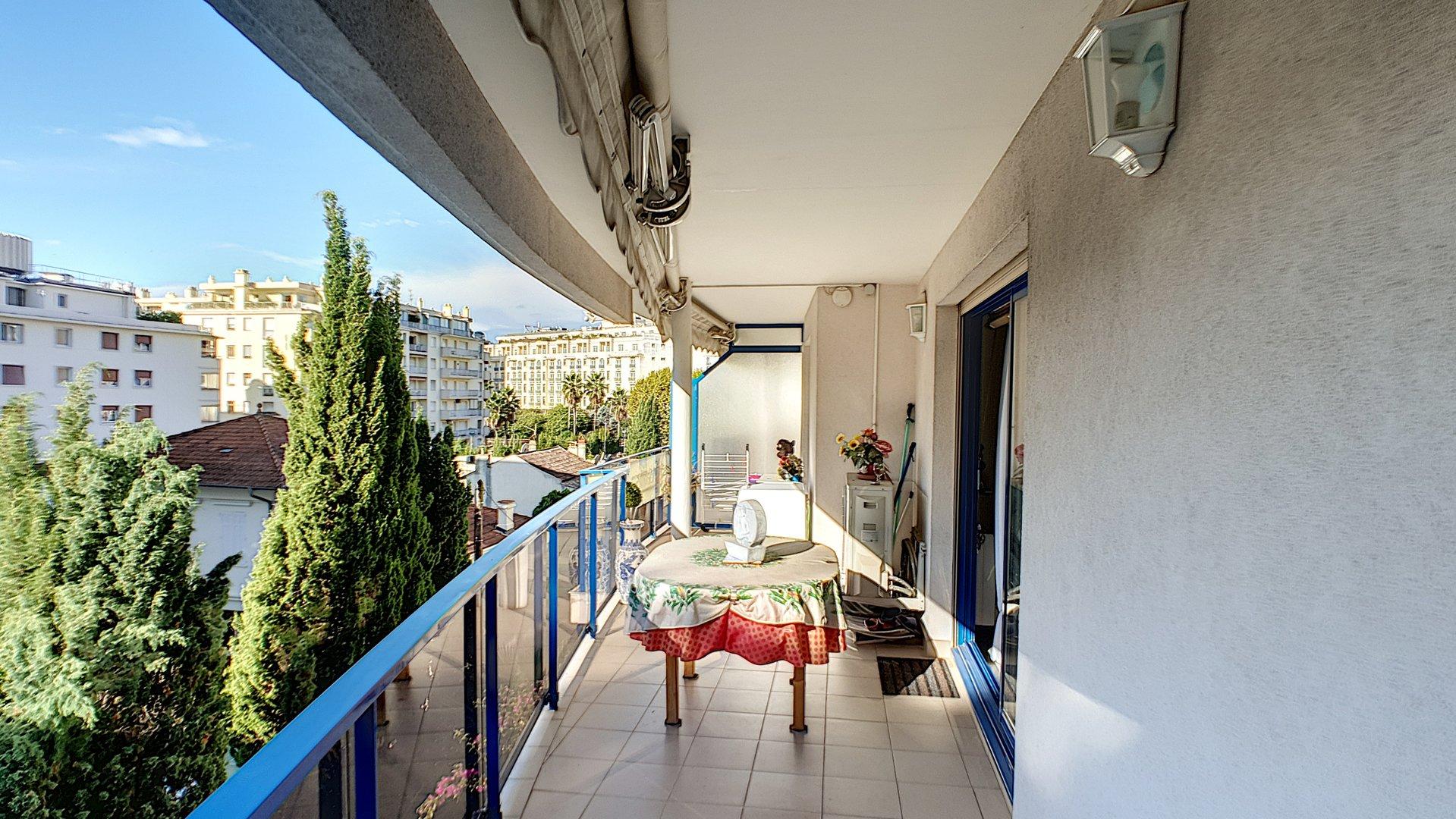 Fantastisk lägenhet till salu i Cannes Basse Californie