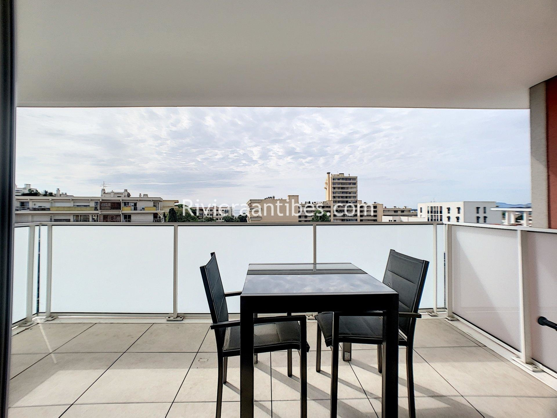 Sale Apartment - Antibes Saint Jean