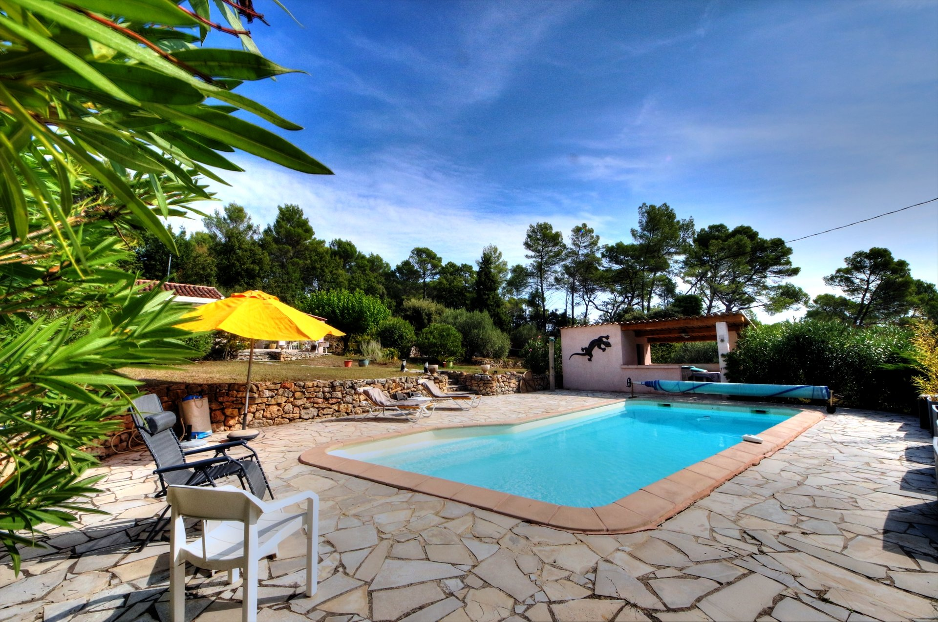 Salernes, quiétude et campagne, joli bastidon avec piscine