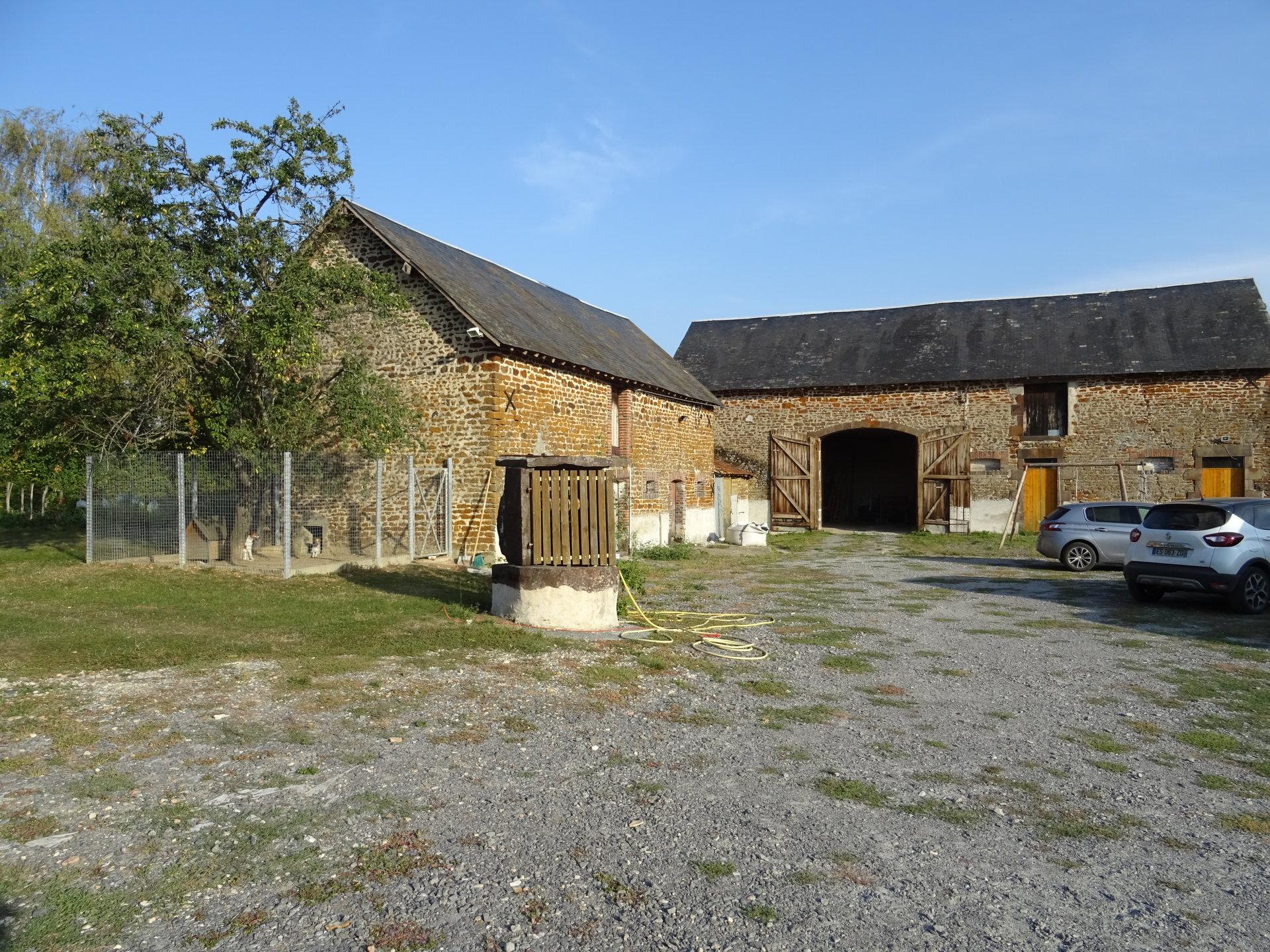 Fermette restaurée dans hameau