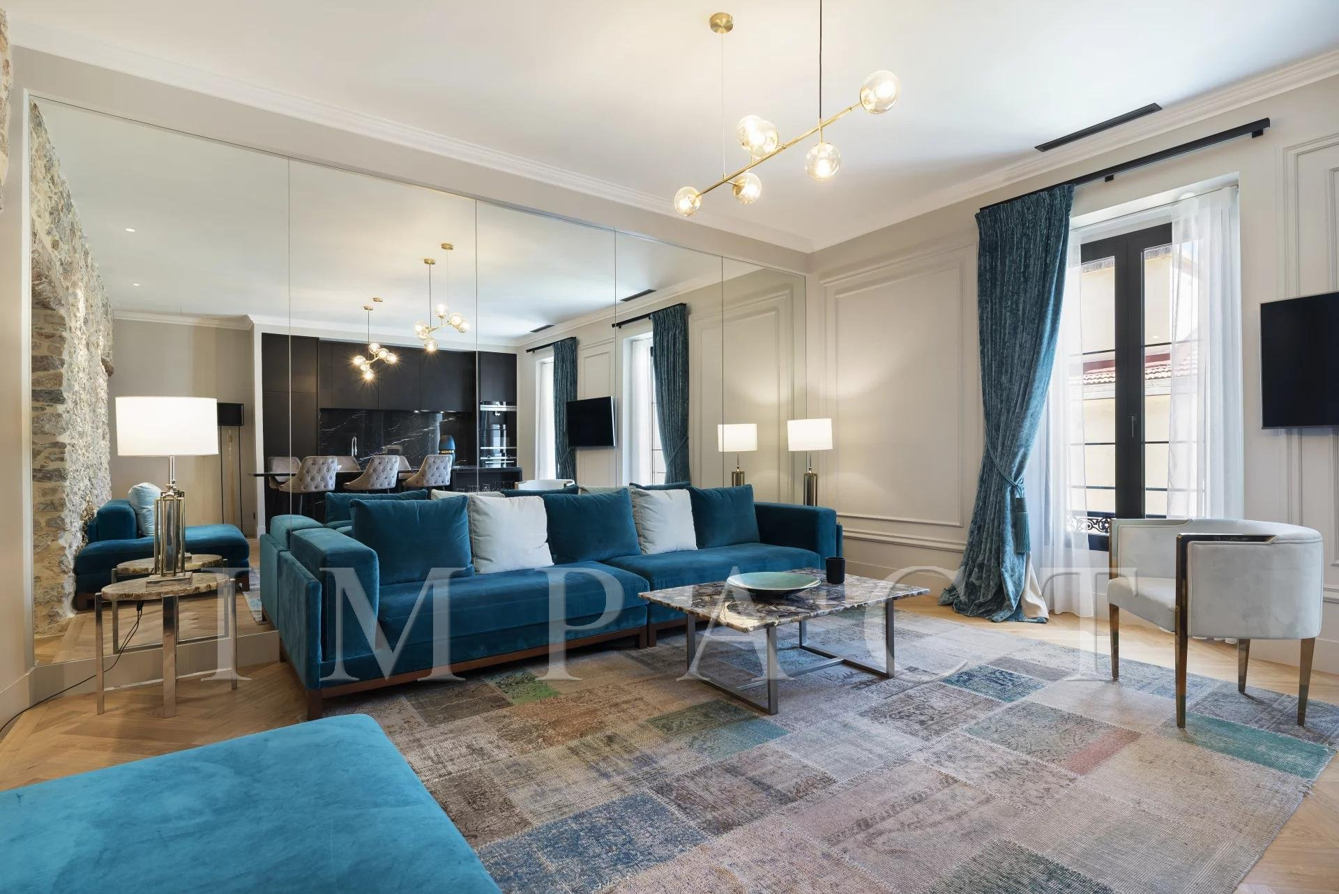 4 bedrooms apartment for sale  Center of  Cannes
