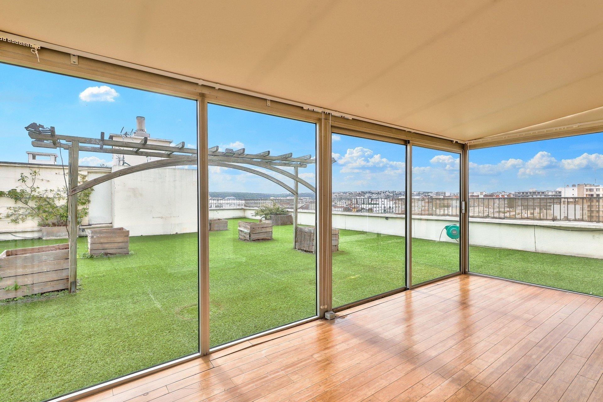 Duplex - Terrasse - Dernier étage