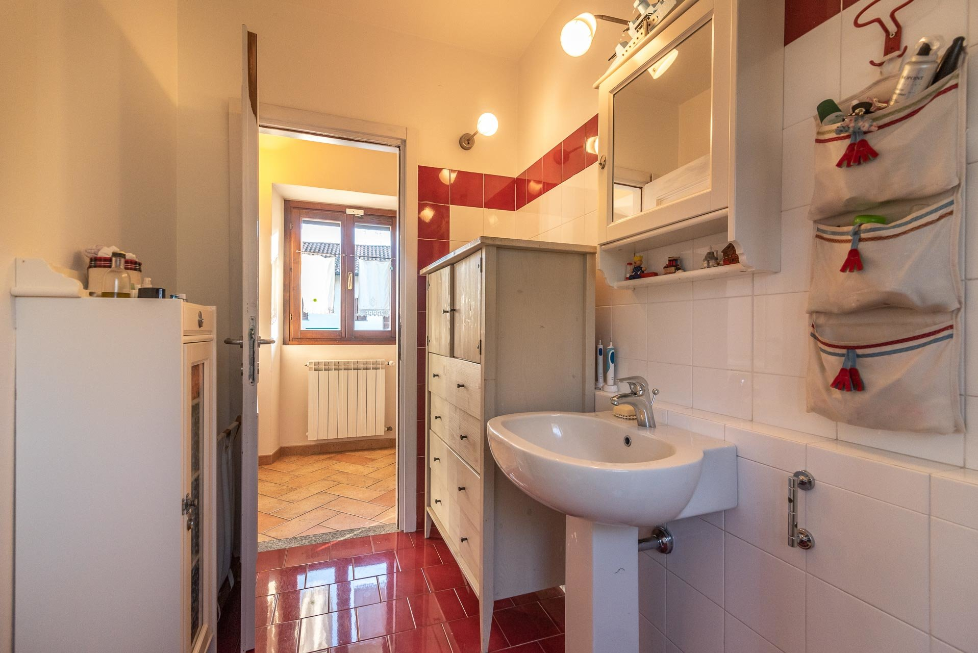 Country house for sell in Paruzzaro - bathroom
