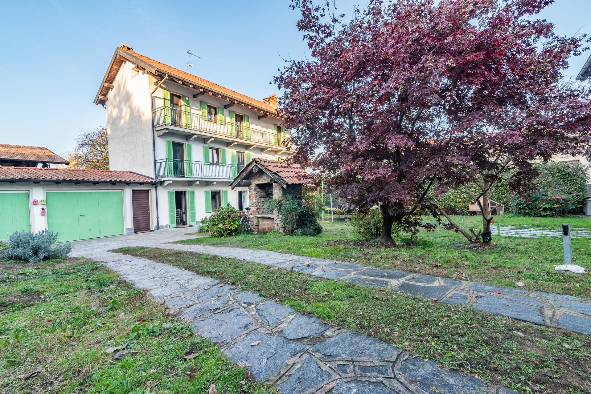 Country house for sell in Paruzzaro - yard