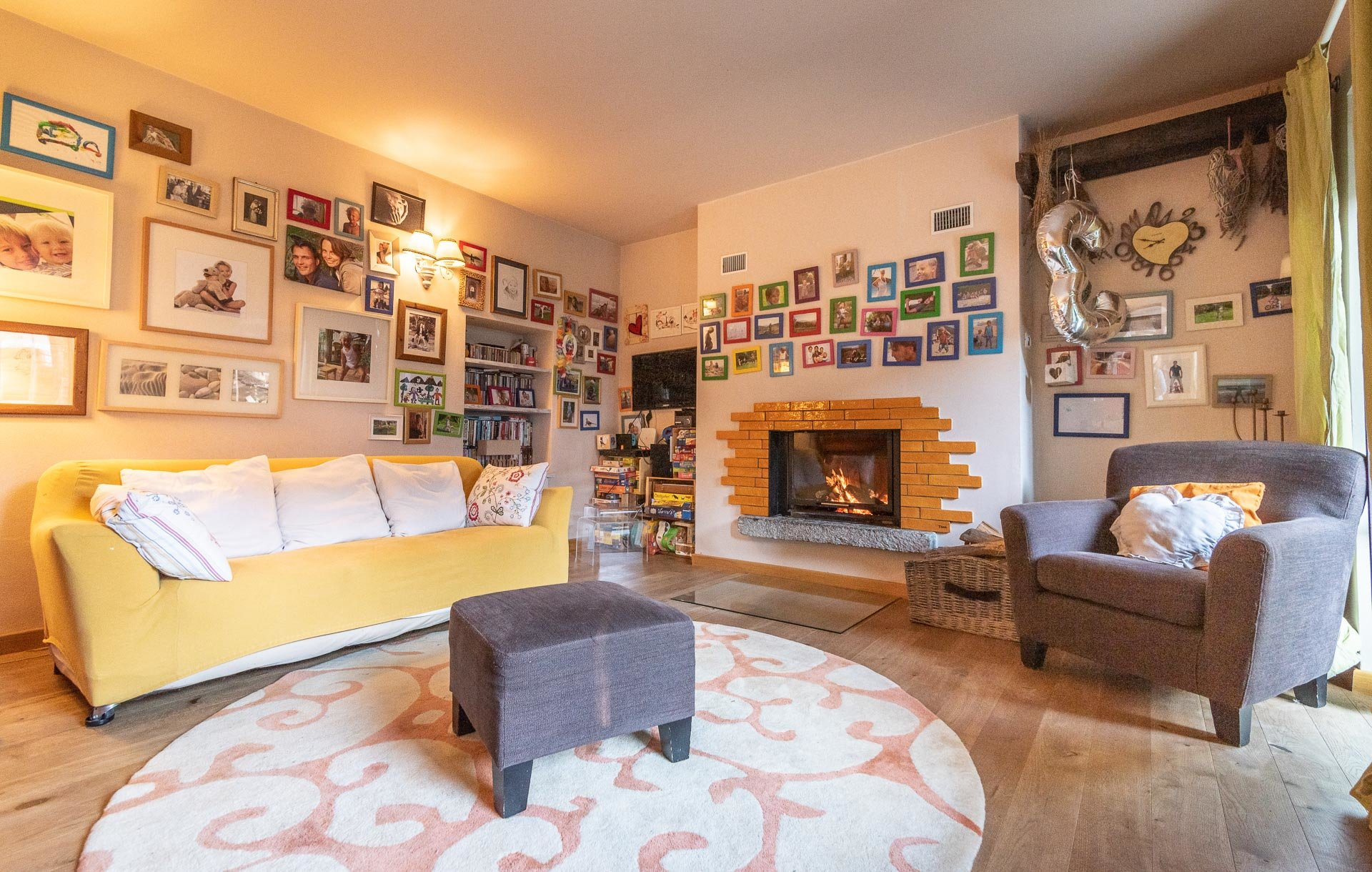 Country house for sell in Paruzzaro - living room