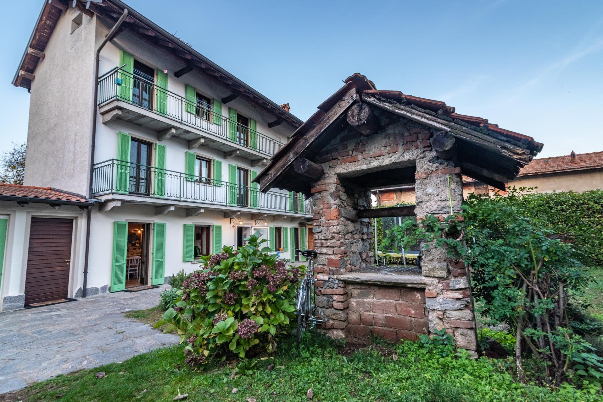 Country house for sell in Paruzzaro - villa external area