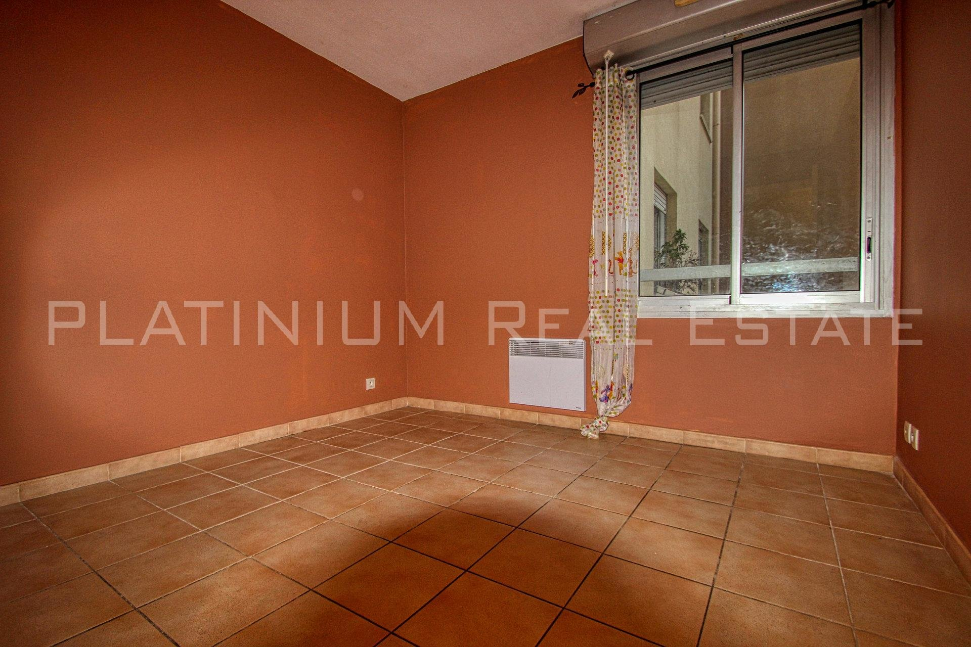 CARREFOUR TNL: 2 bedrooms | Calm | Terrasse