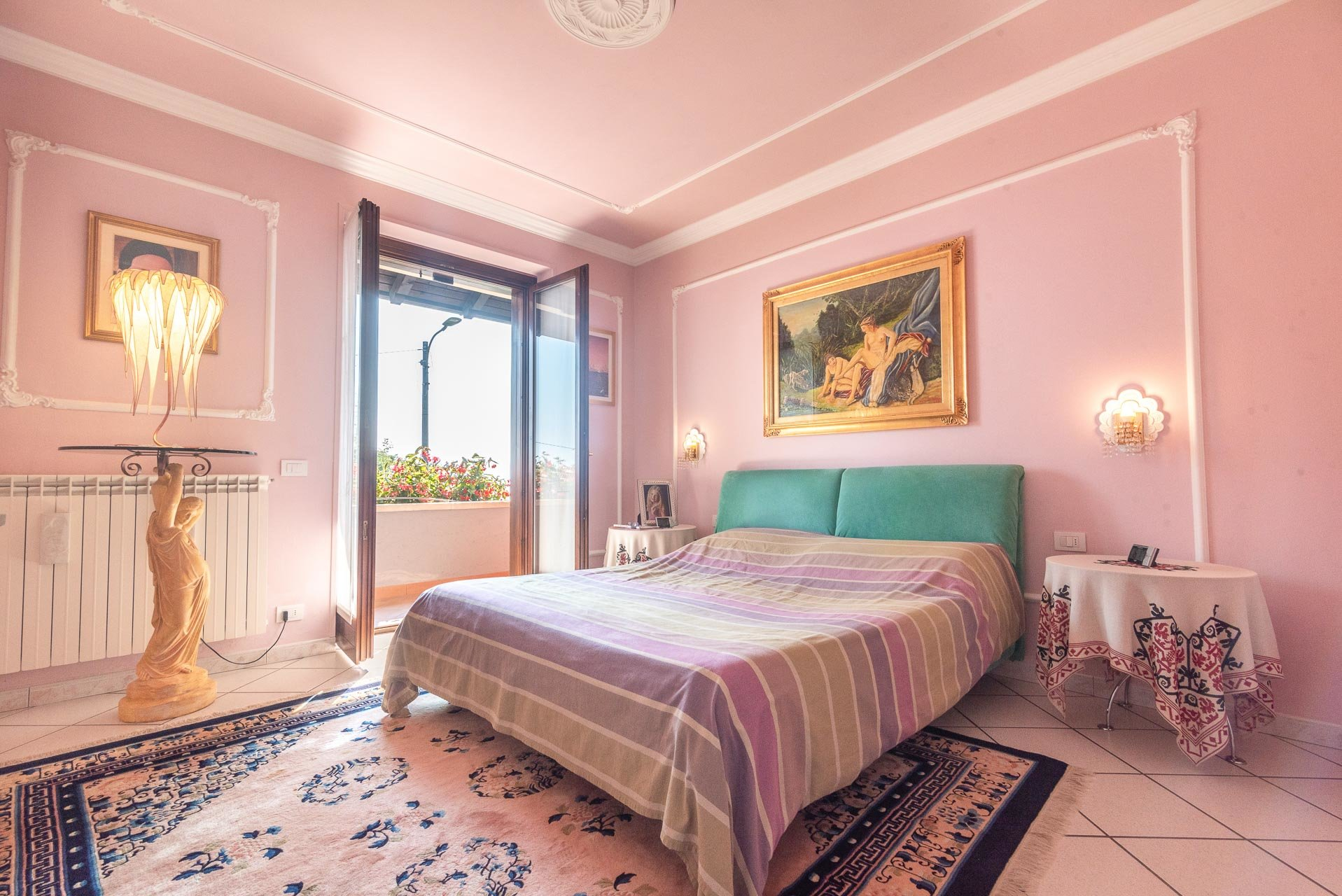 Villa for sale in Bee, with wonderful lake view - bedroom