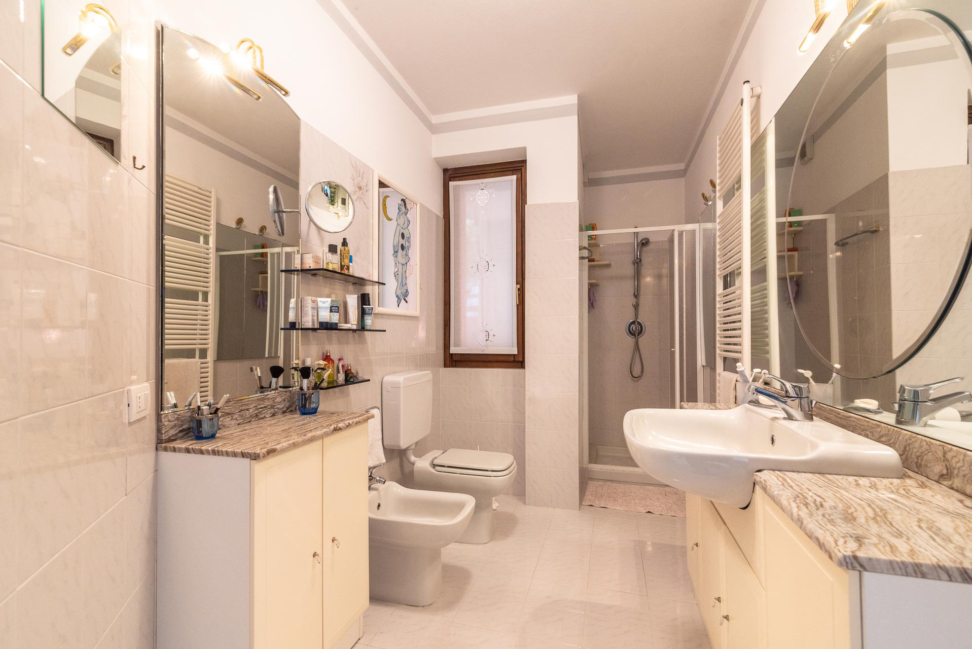Villa for sale in Bee, with wonderful lake view - bathroom