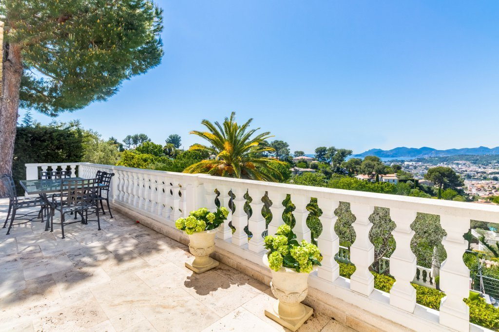 Magnifique villa de luxe sur les hauteurs de Cannes