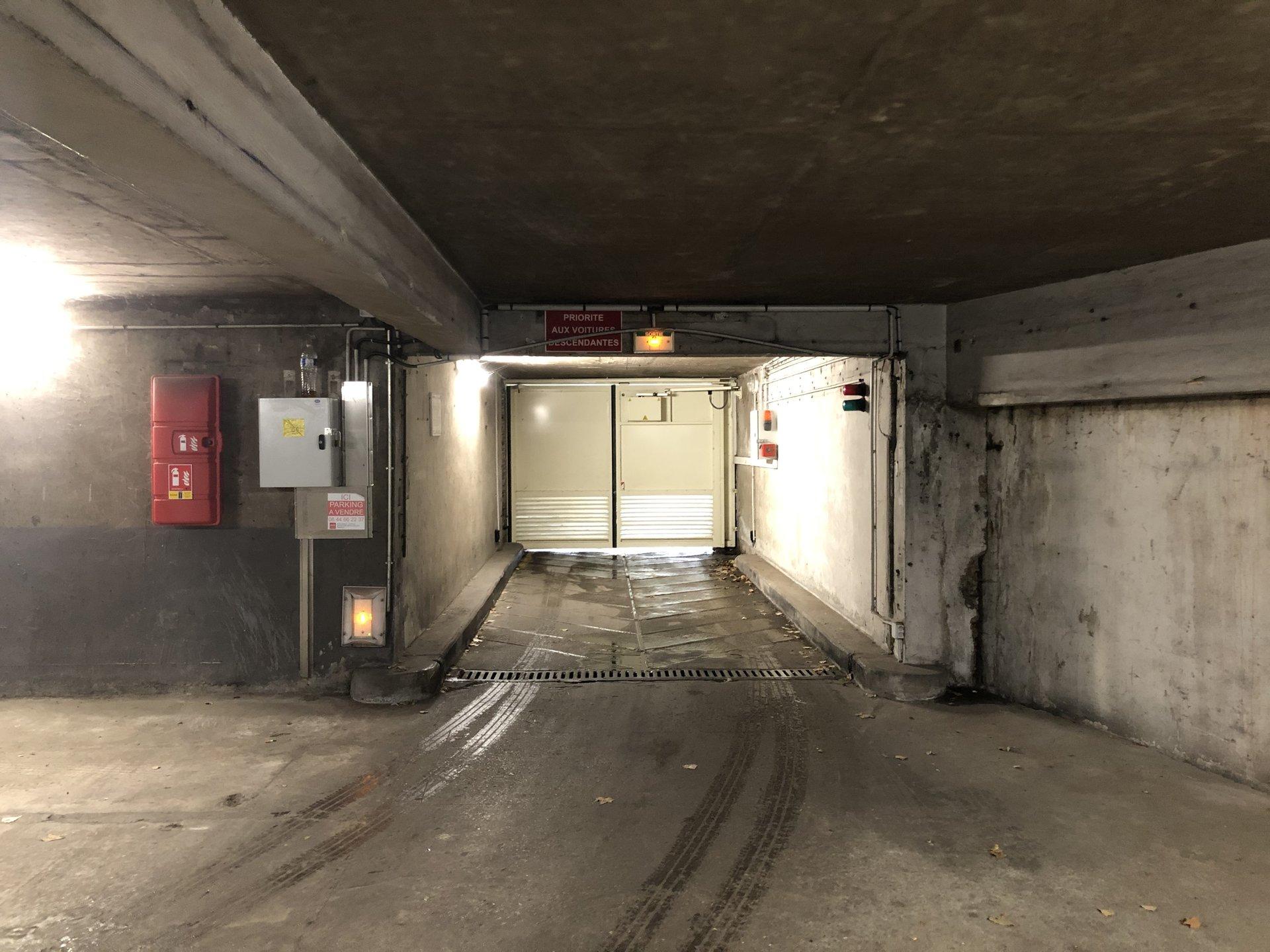 Parking métro Glacière